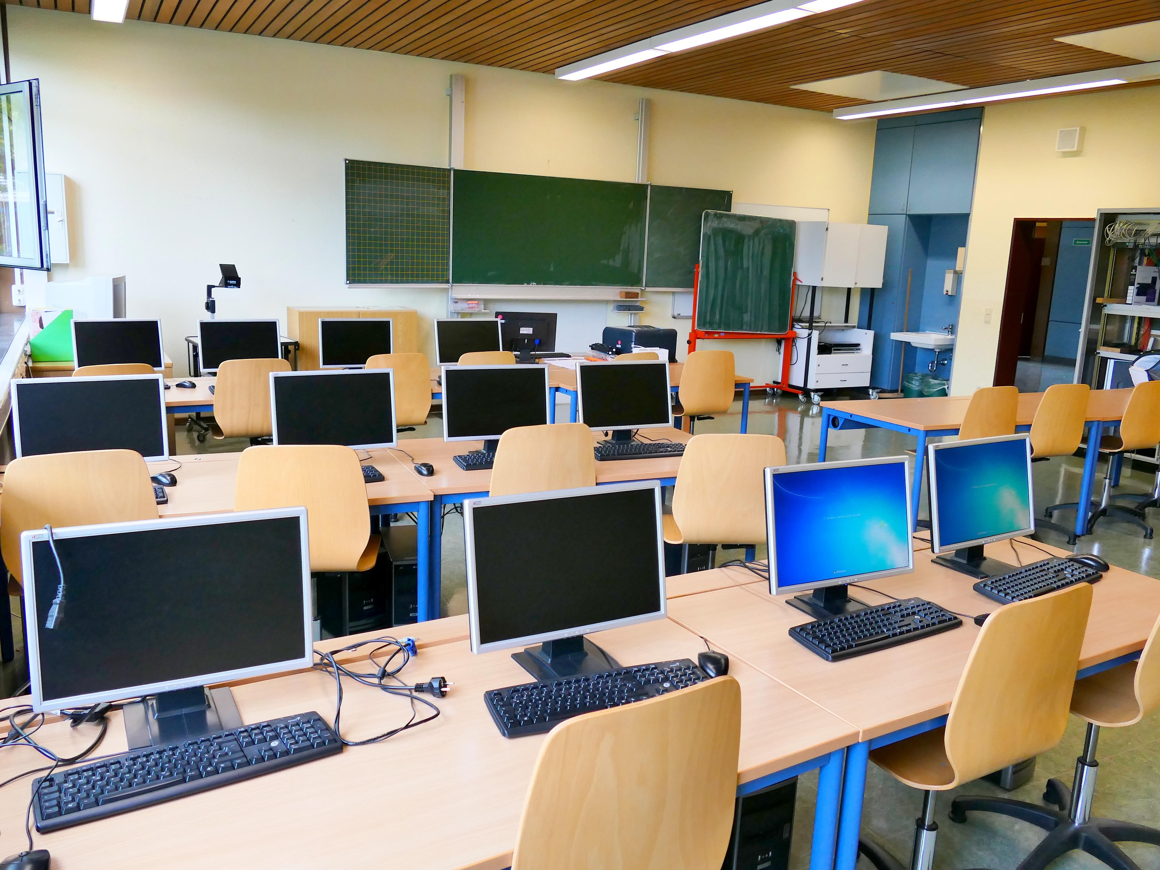 Images gratuites : bureau chambre salle de classe école salle