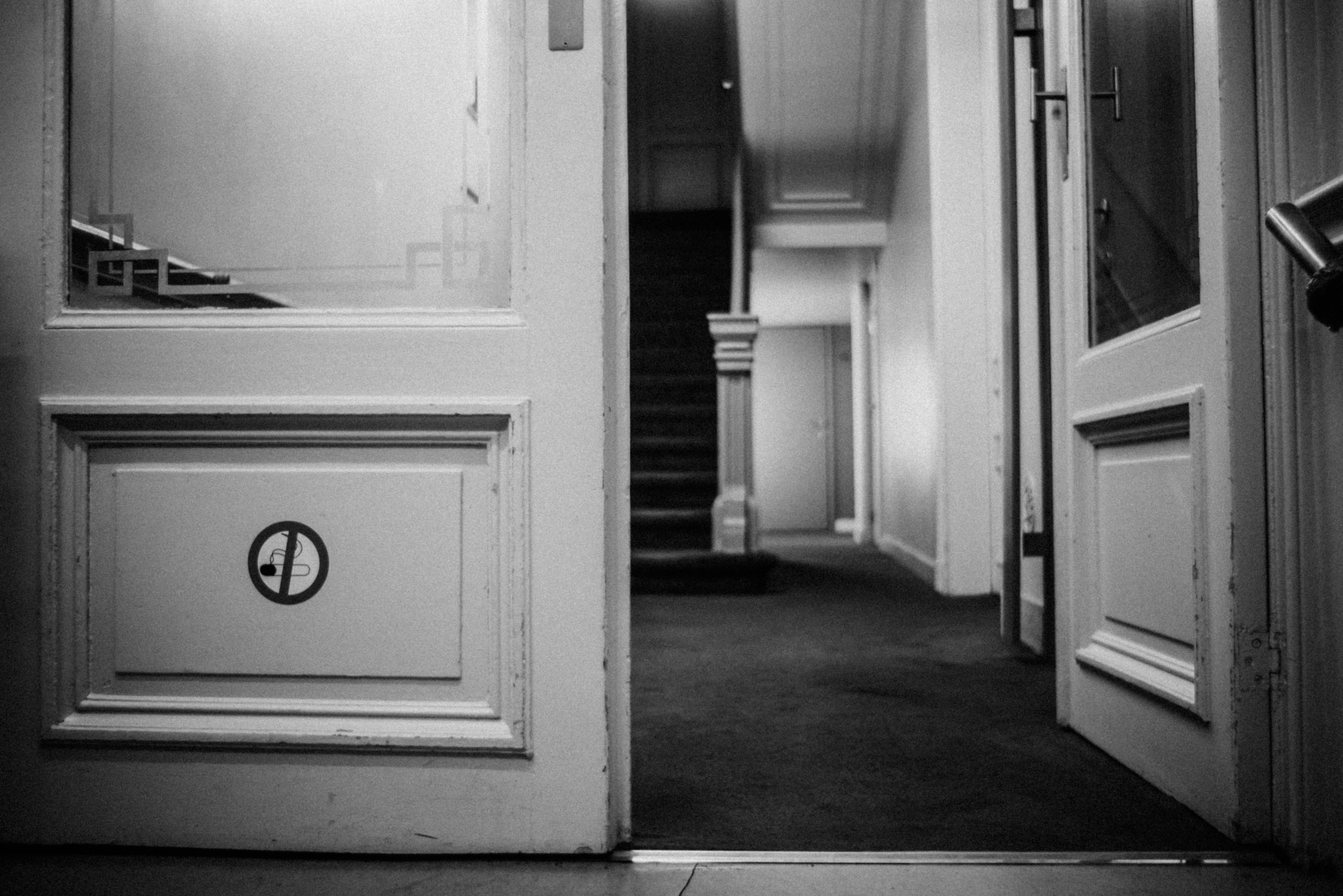 Open Black And White White House Home Urban Black Furniture Room Monochrome  Door Interior Design Brussel