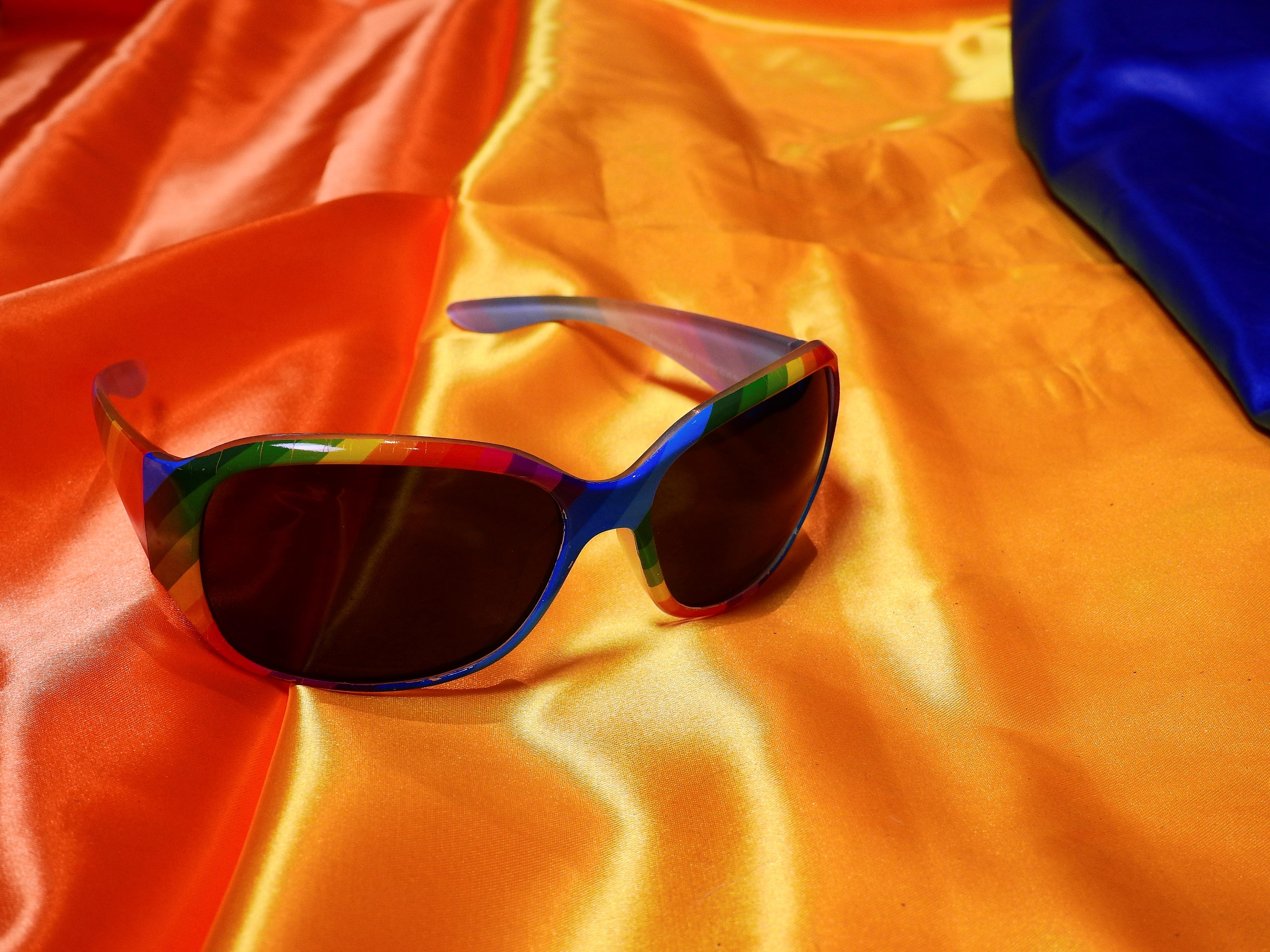 Kostenlose foto : Orange, rot, Karneval, bunt, Gelb, Stoff, Maske ...