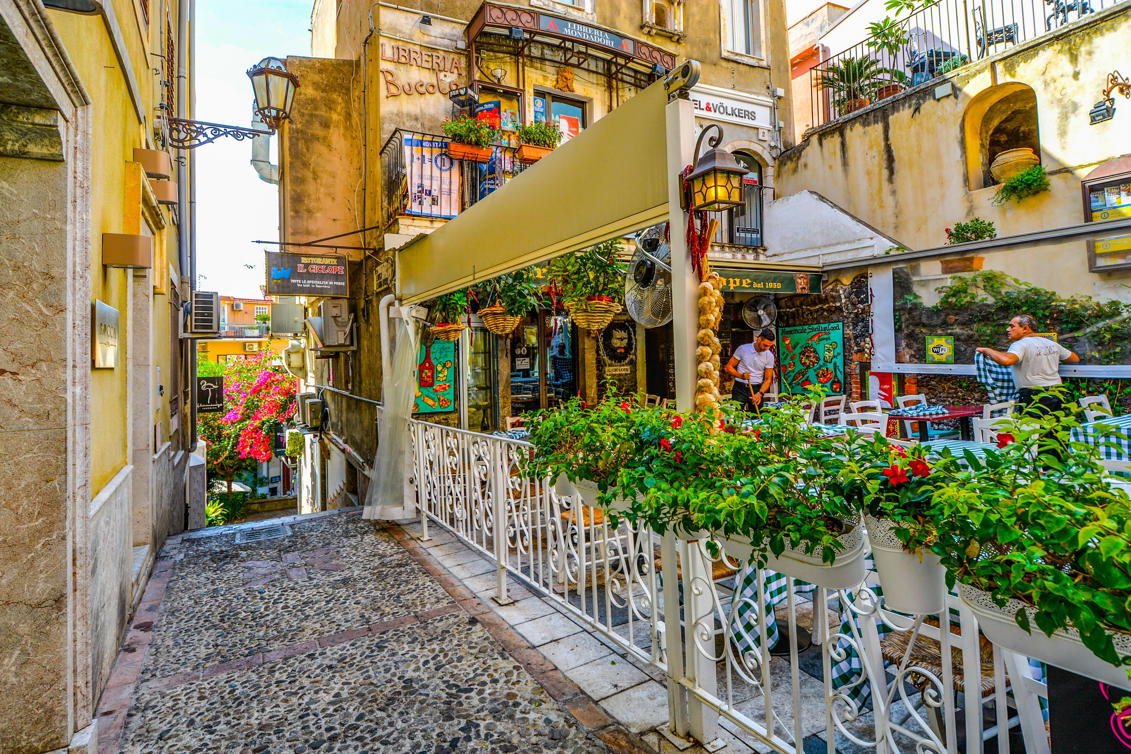 Фото уличных итальянских кафе высокого разрешения