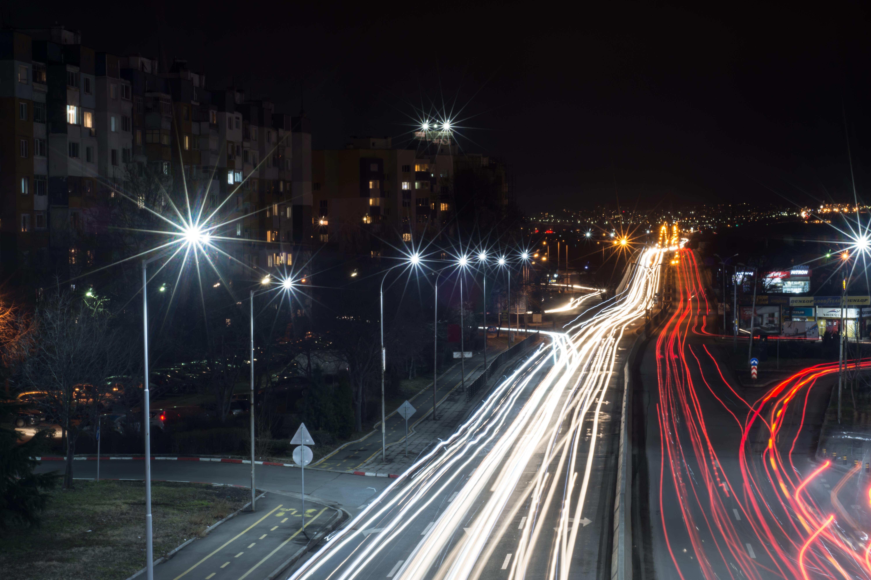 Kostenlose foto : draussen, Licht, die Architektur, Straße, Skyline ...