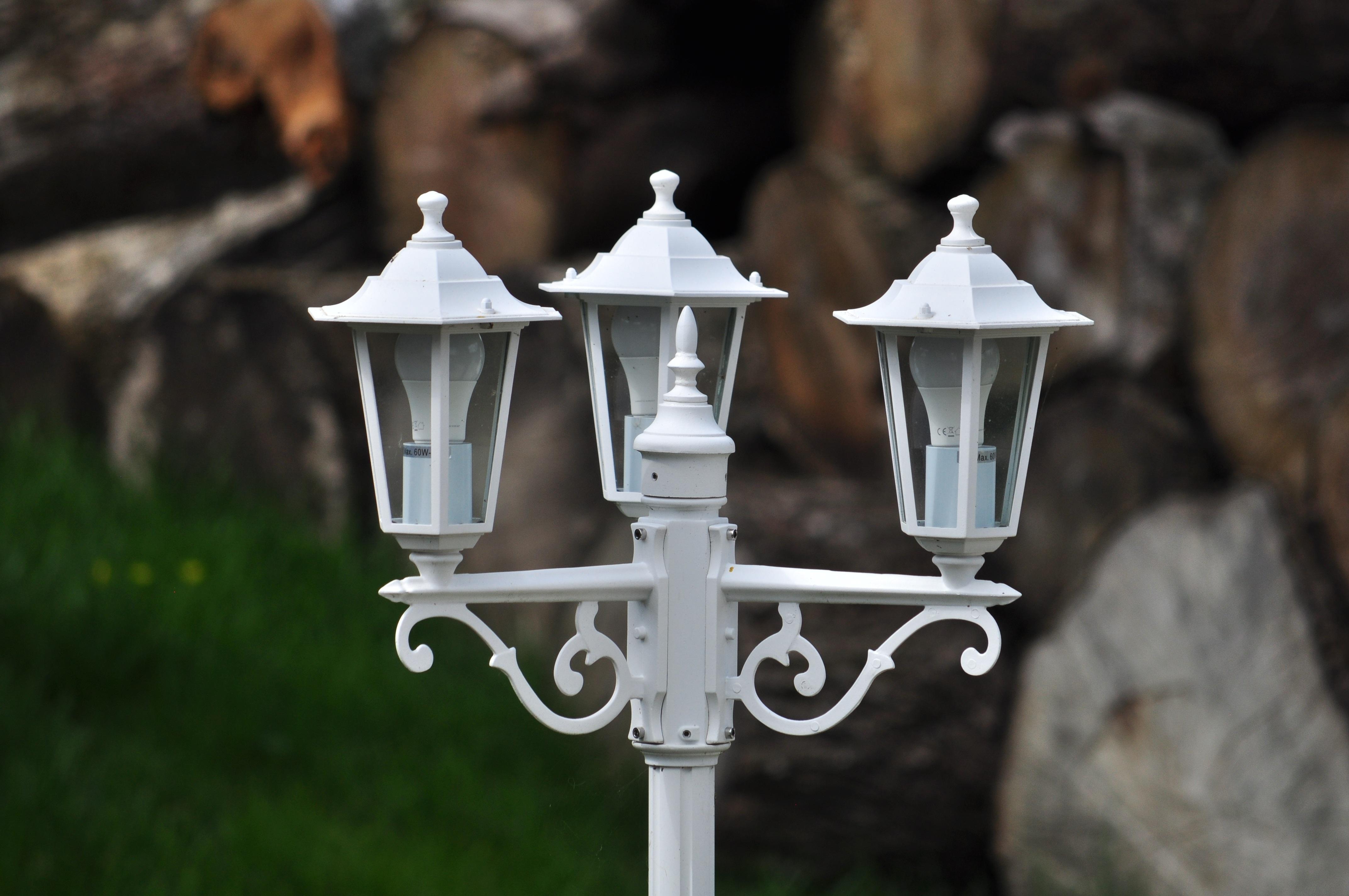 Outdoor Light Post White Old Bulb Street Lamp Lighting Decor Streetlight Outside Streetlamp