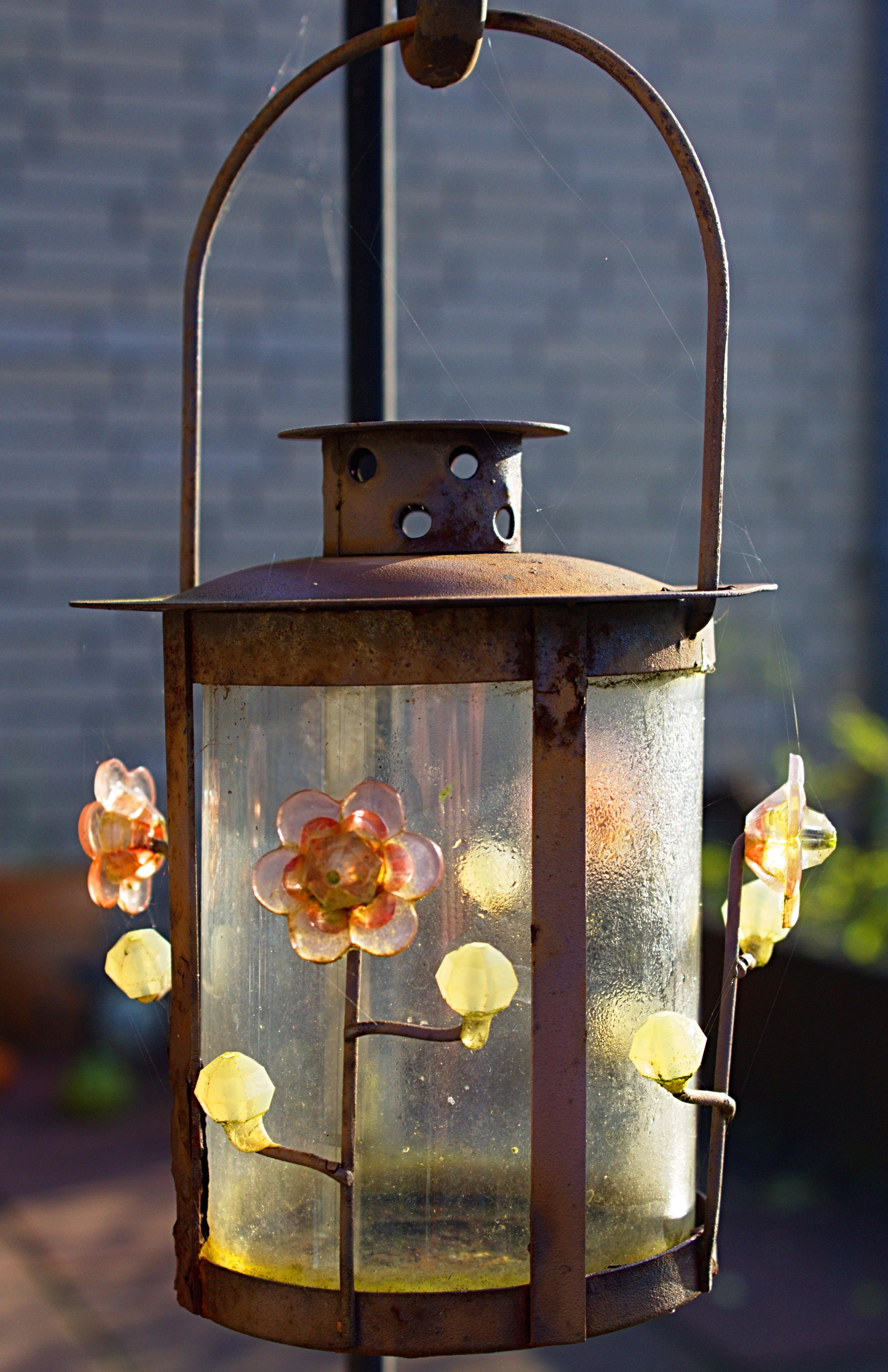 kostenlose foto : draussen, licht, holz, dekoration, laterne, lampe
