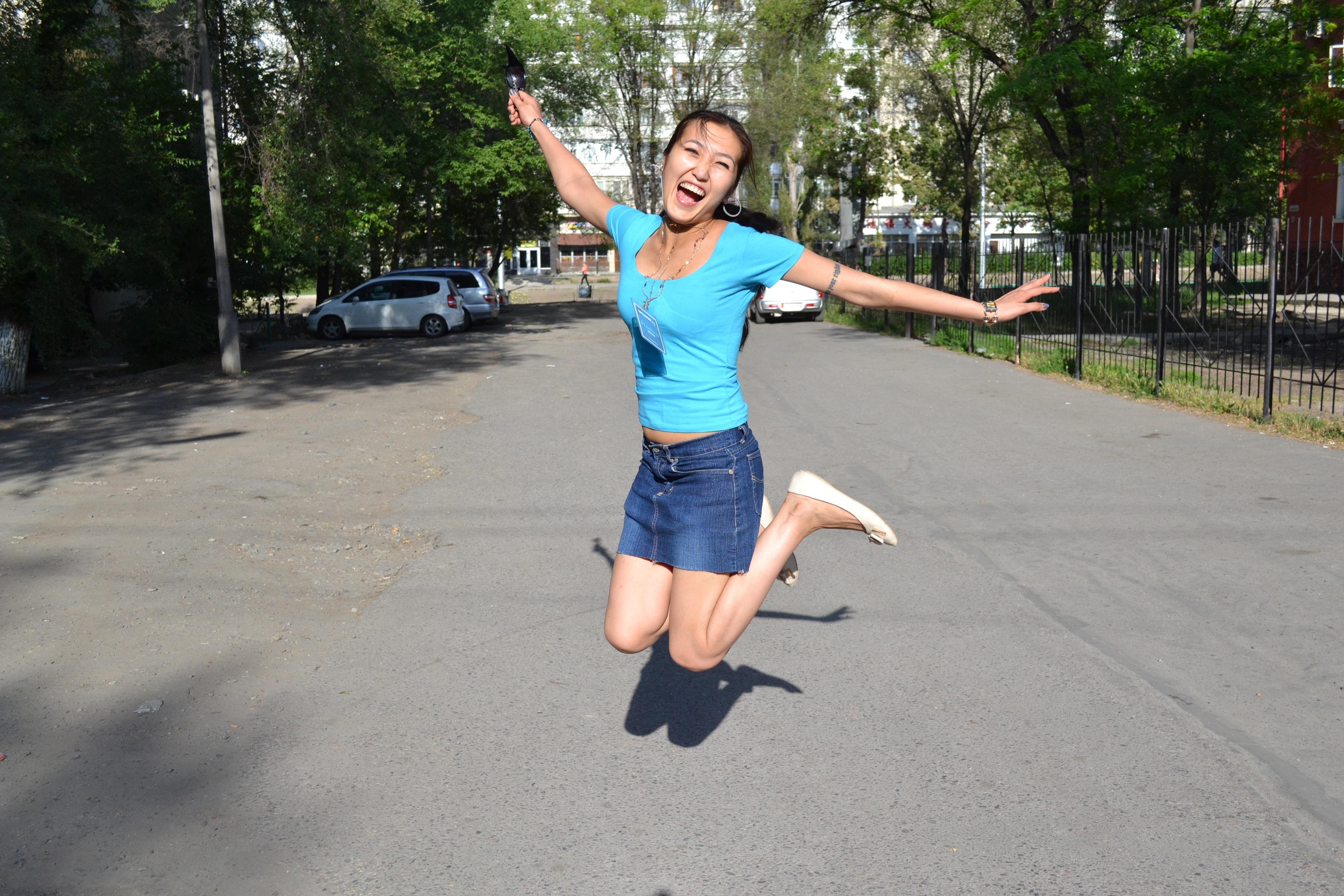 Photos Men Run Smile Fitness Two Girls athletic Sleeveless