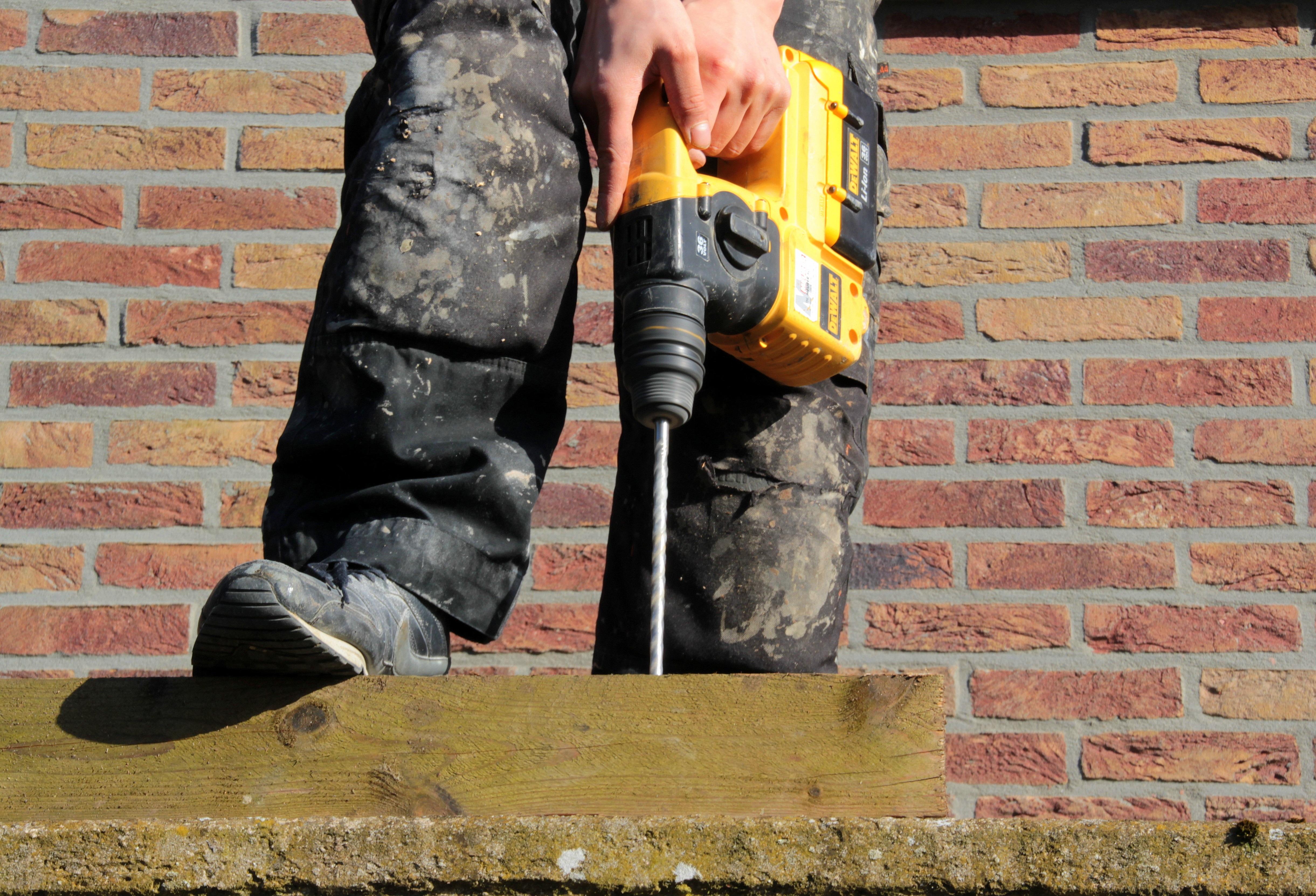 Kostenlose Foto Draussen Schuh Mauer Boot Jeans Ziegel Beton