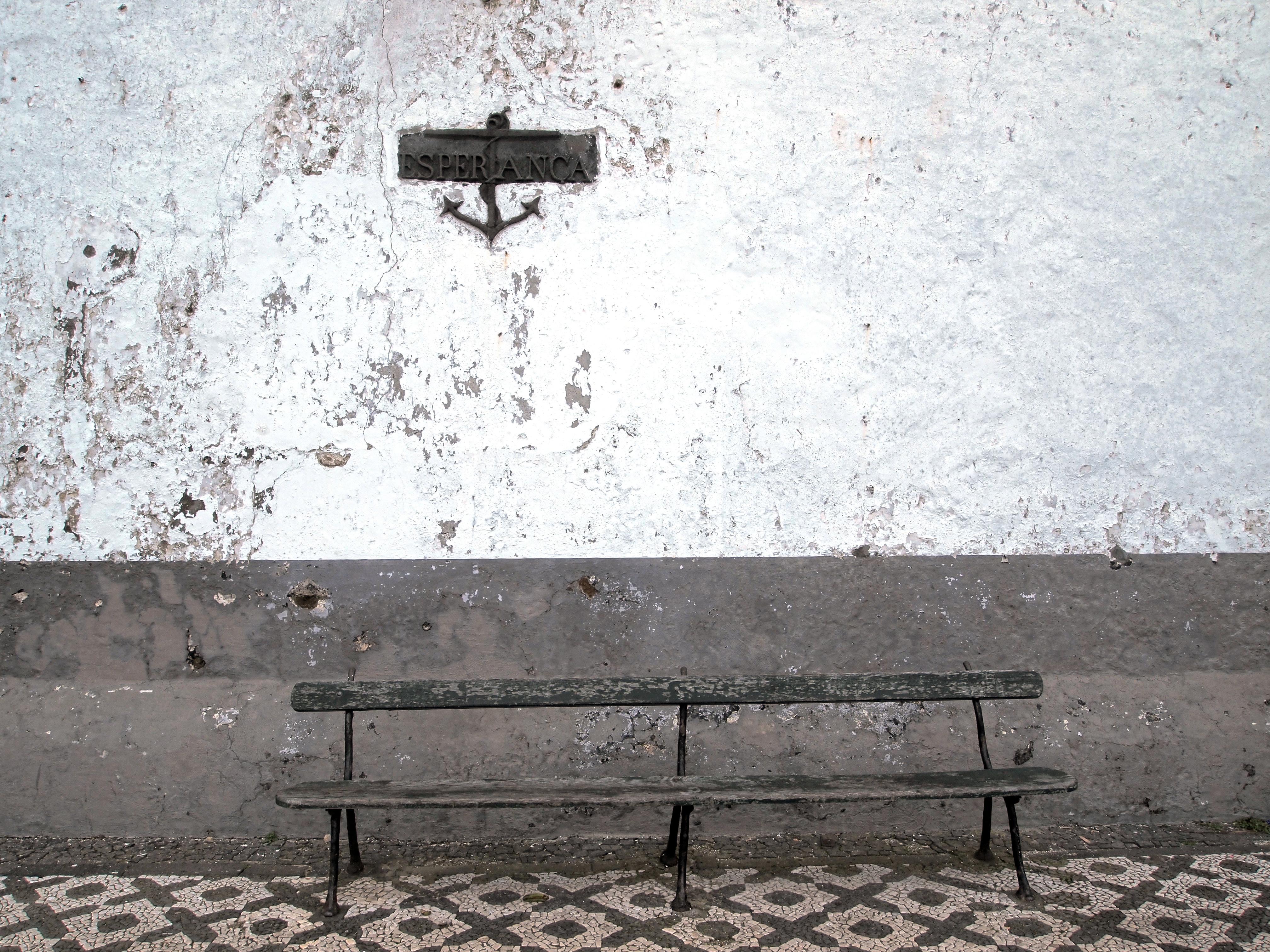 Fotos gratis : al aire libre, nieve, blanco, banco, pared, firmar ...