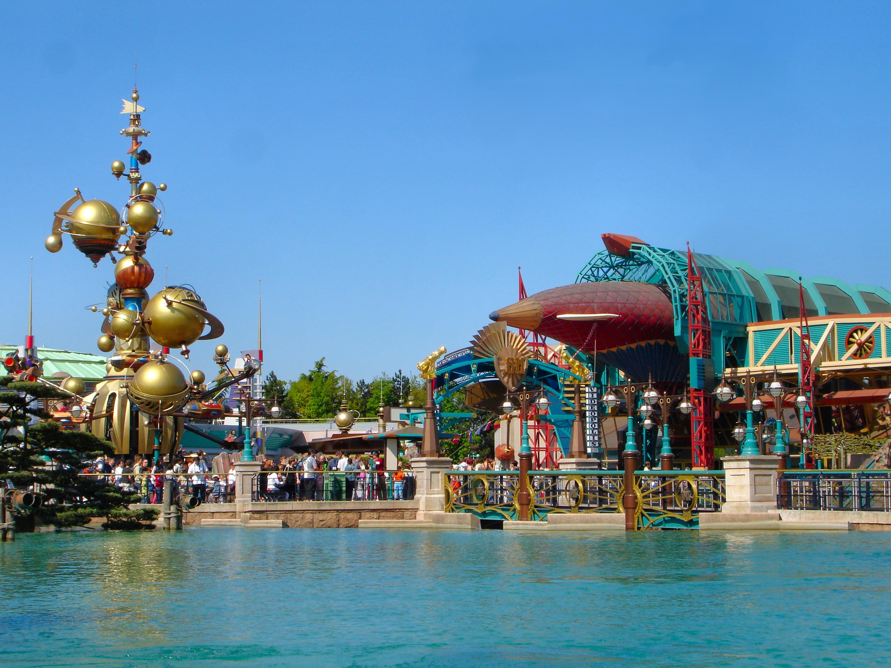 Free images vacation amusement park leisure resort for Amusement parks in paris