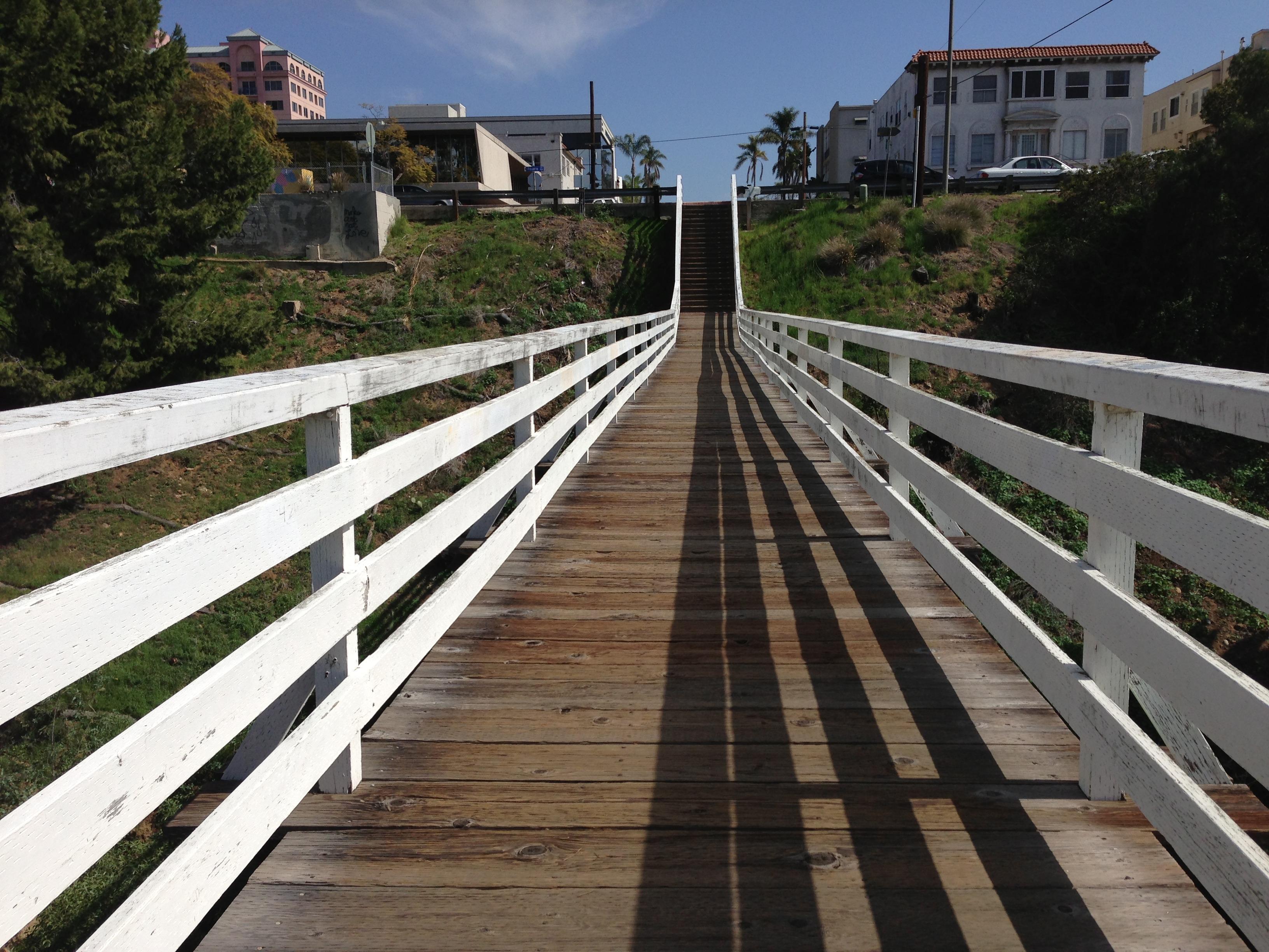 Kostenlose foto Pfad draussen Zaun Promenade Holz Spur