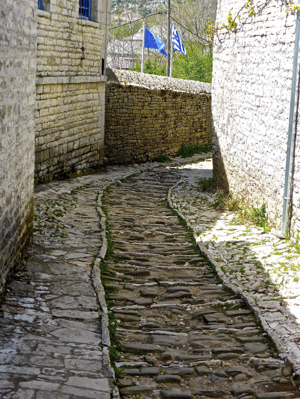 Path Pathway Grass Road Street Sidewalk Alley Cobblestone Wall Walkway Cottage Backyard Stone Garden Brick