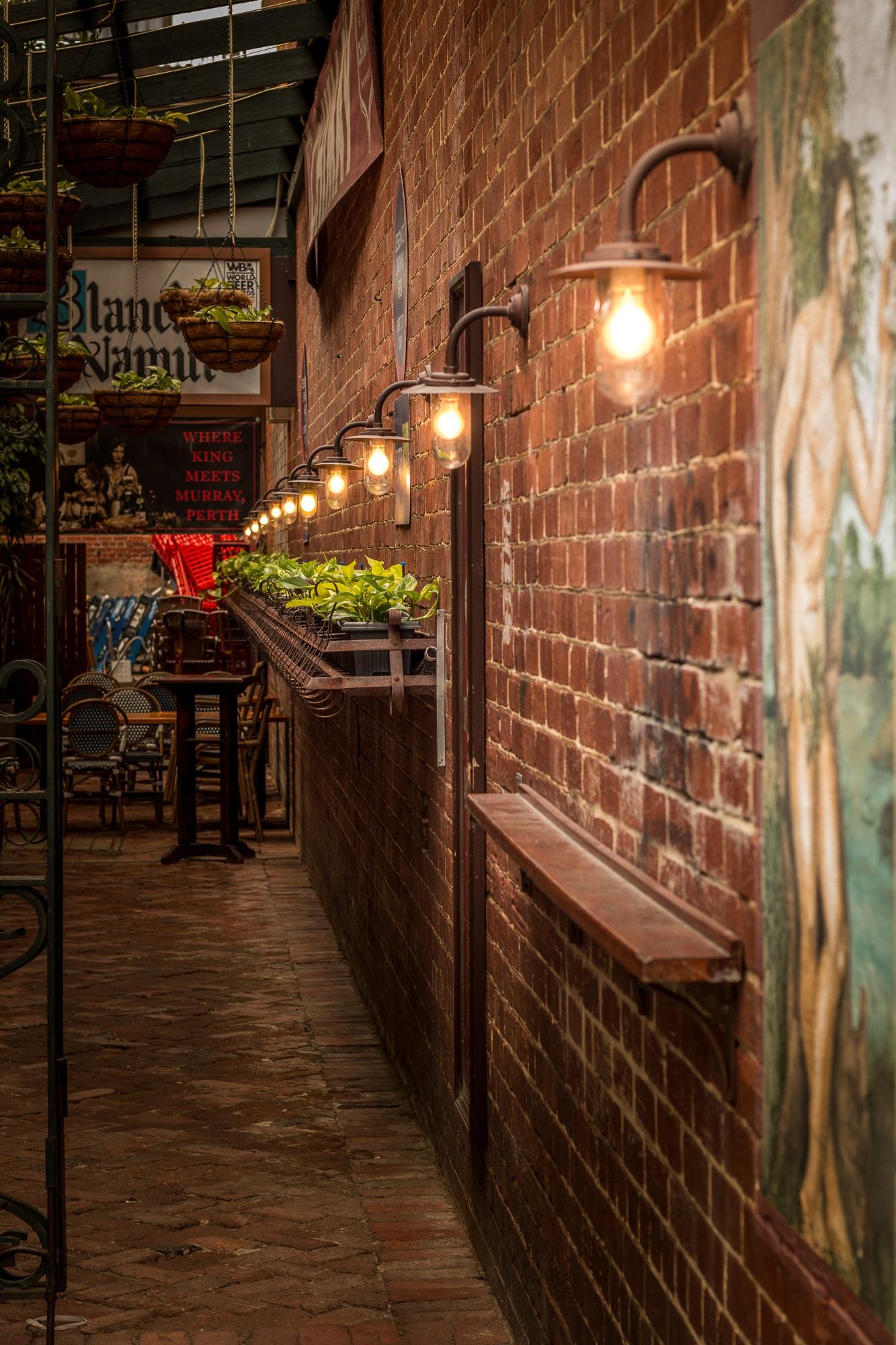 Kostenlose foto : Pfad, Holz, Nacht-, Restaurant, Gasse, städtisch ...