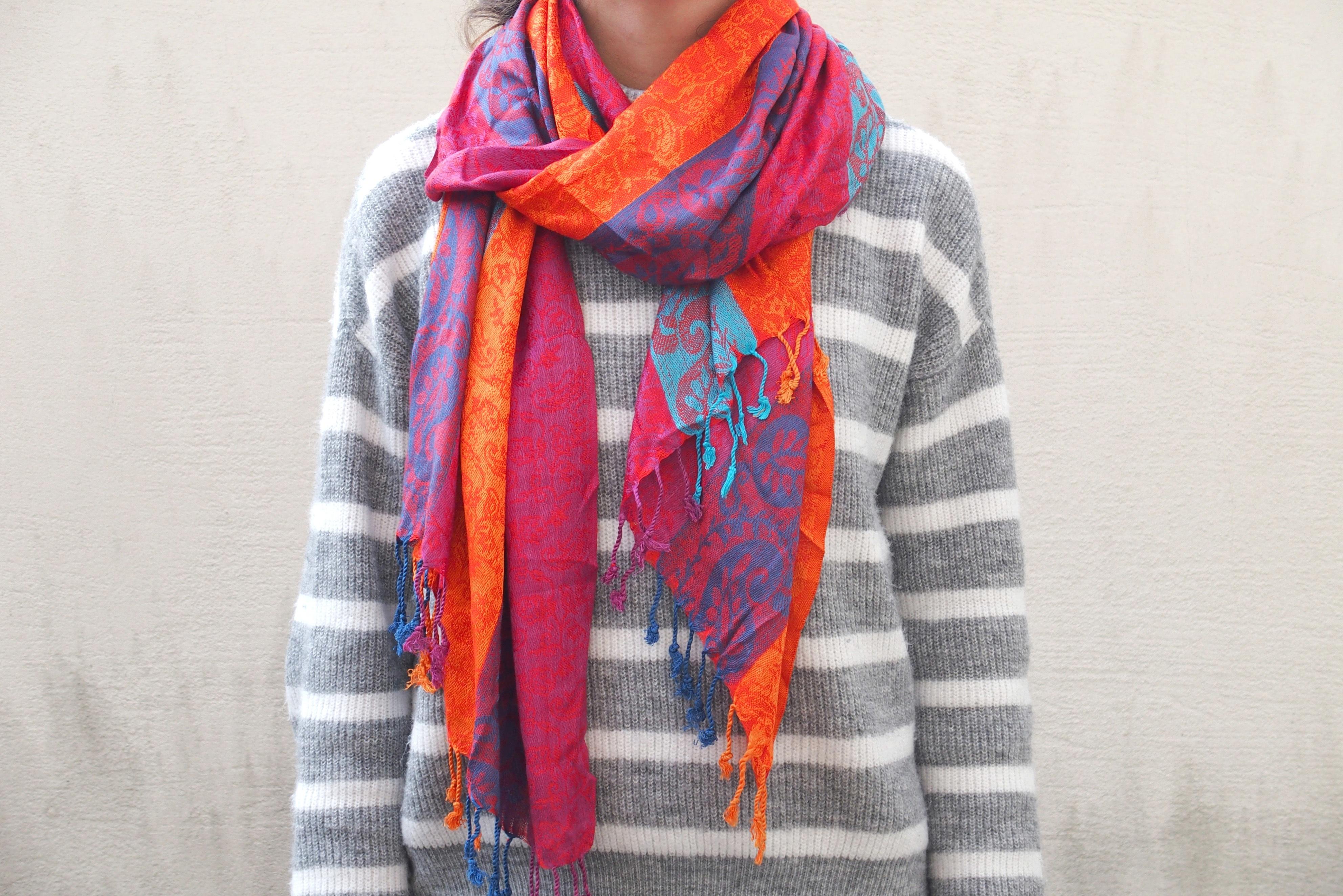 Fotos gratis : patrón, ropa, vistoso, lana, bufanda, textil, colores ...