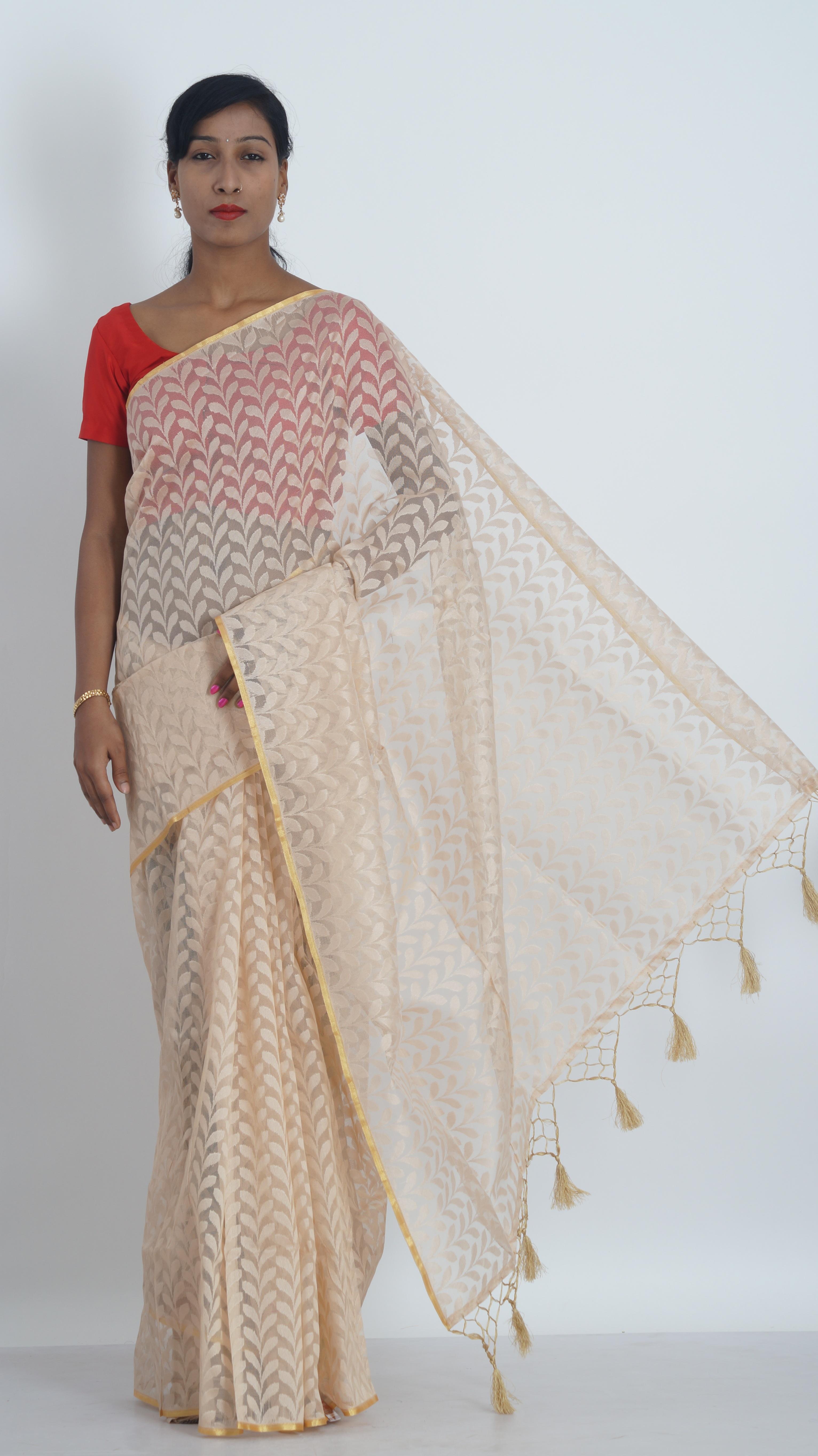 vzor oblečení svatební šaty textil design broskev Sari tradiční talár módní  design sarees dámské oblečení indické 651f7e58c6a