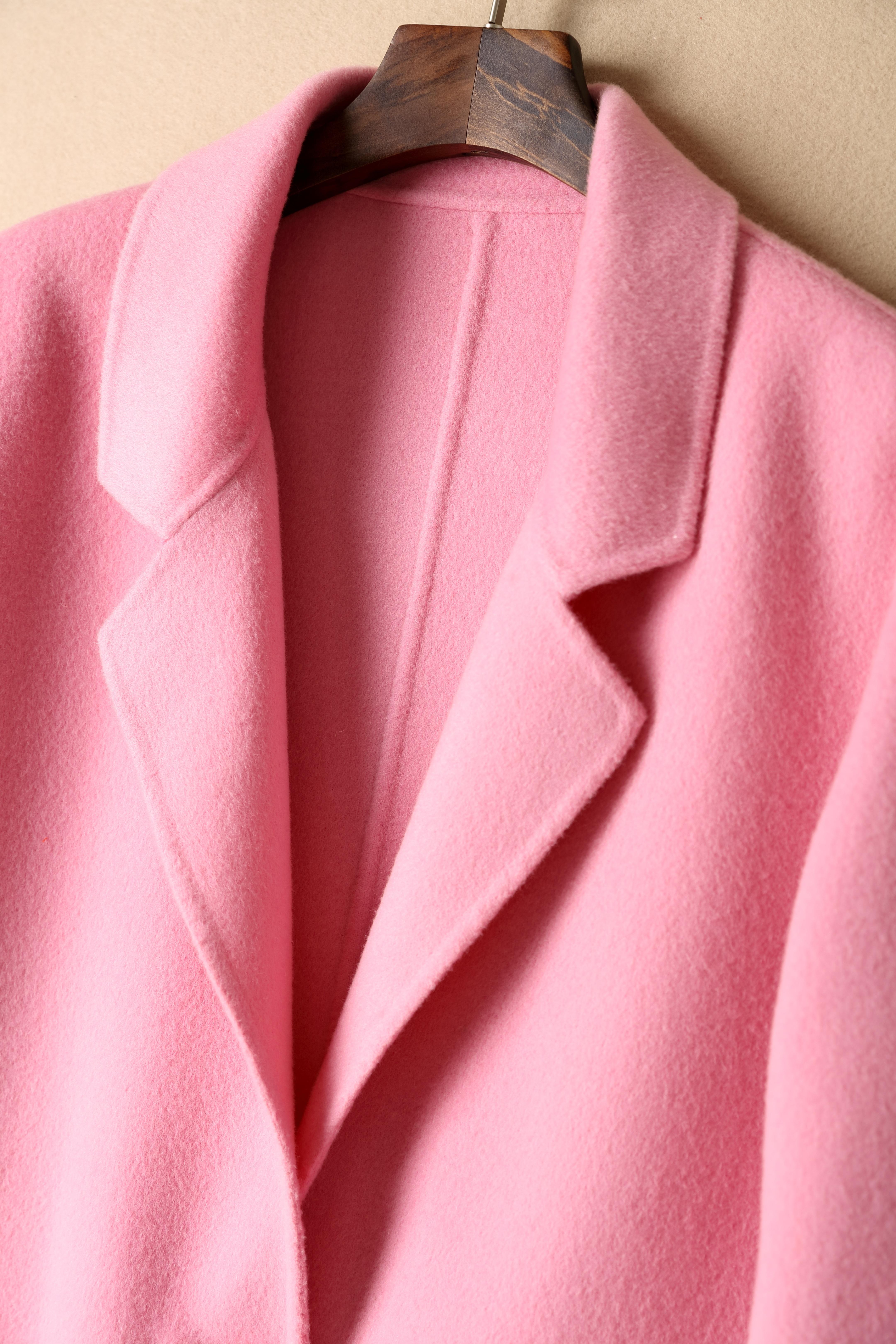 Gambar Pola Mantel Mode Berwarna Merah Muda Pakaian Luar