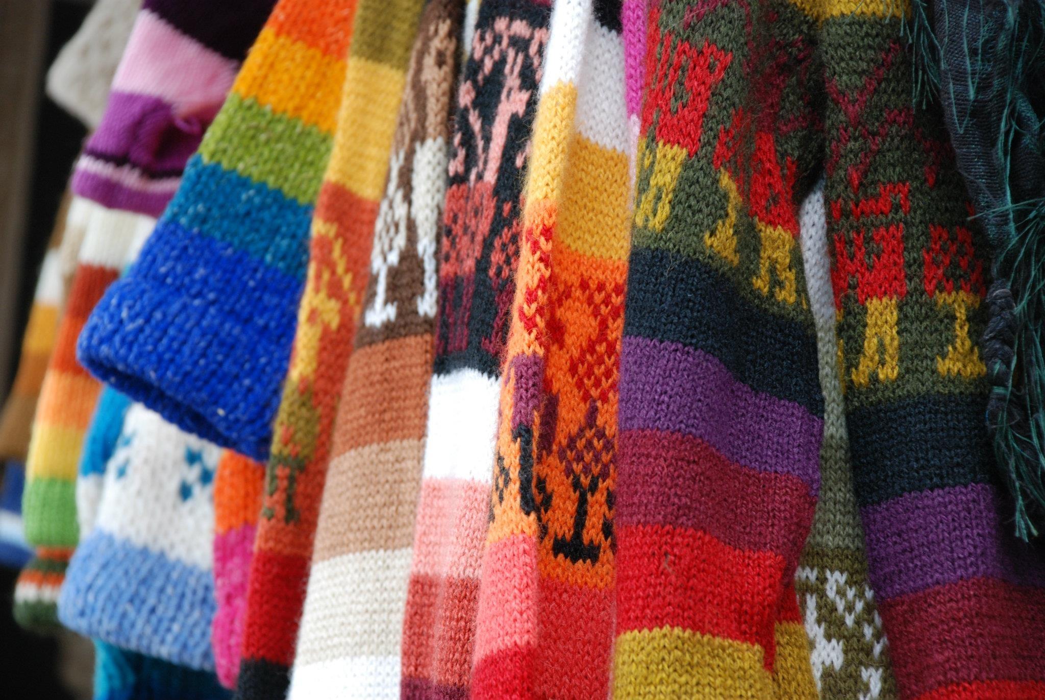 Fotos gratis : patrón, color, Moda, ropa, bufanda, material, suéter ...