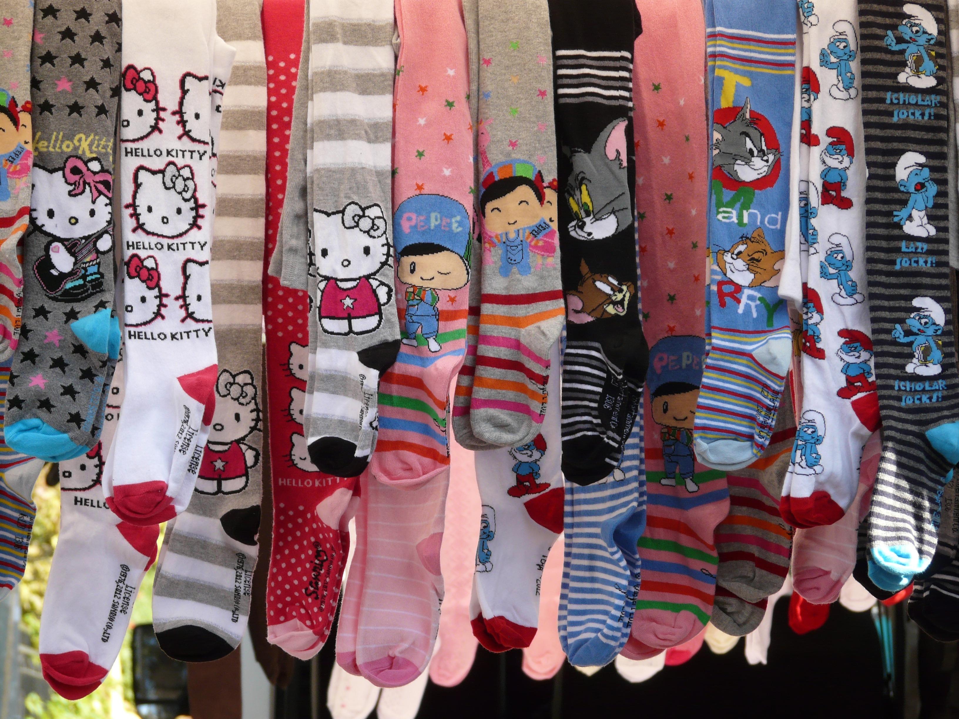 Fotos gratis : patrón, color, mercado, ropa, art, calzado, venta ...