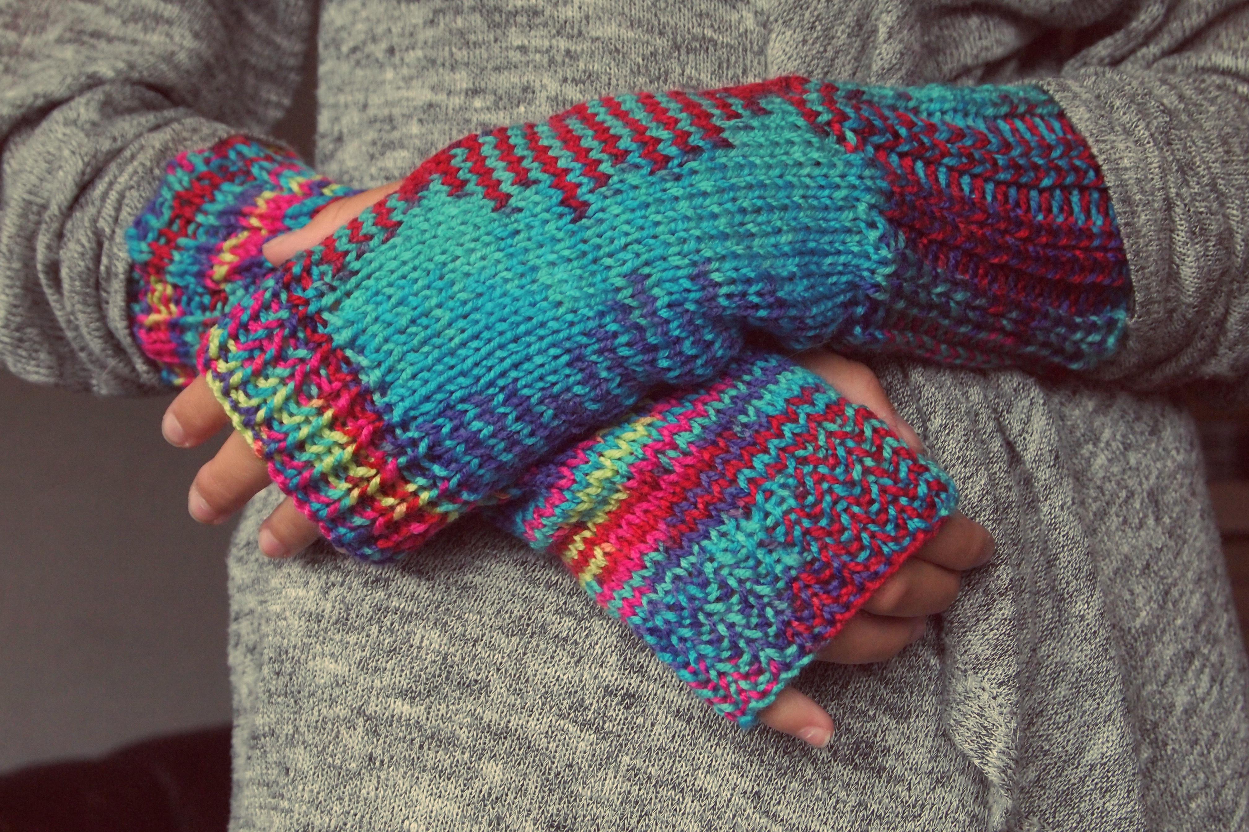 Fotos gratis : patrón, vistoso, color, azul, lana, suéter, hilo ...