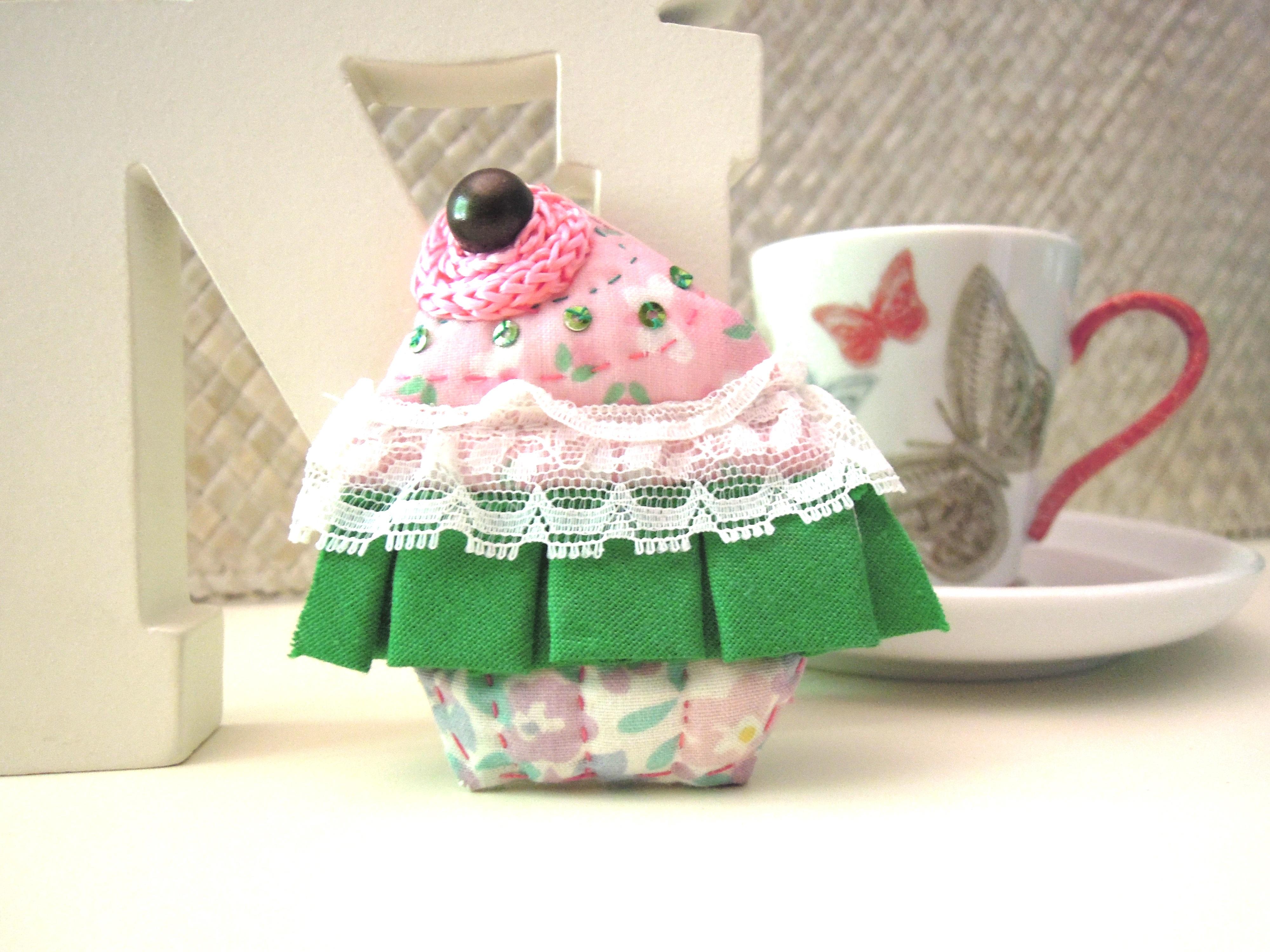 Fotos gratis : patrón, rosado, Magdalena, material, tela, de coser ...