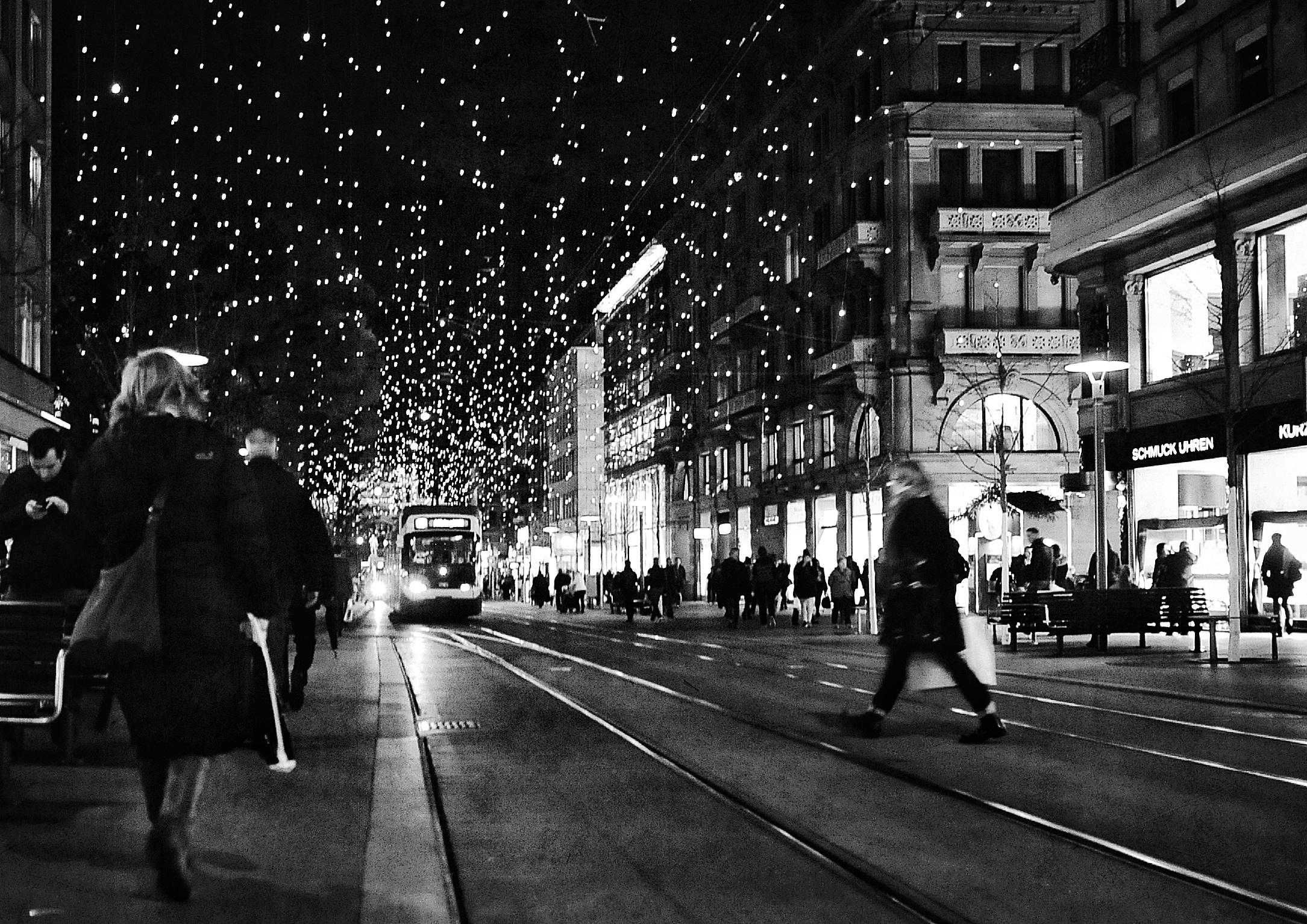сюжетная фотосессия по ночному городу читайте