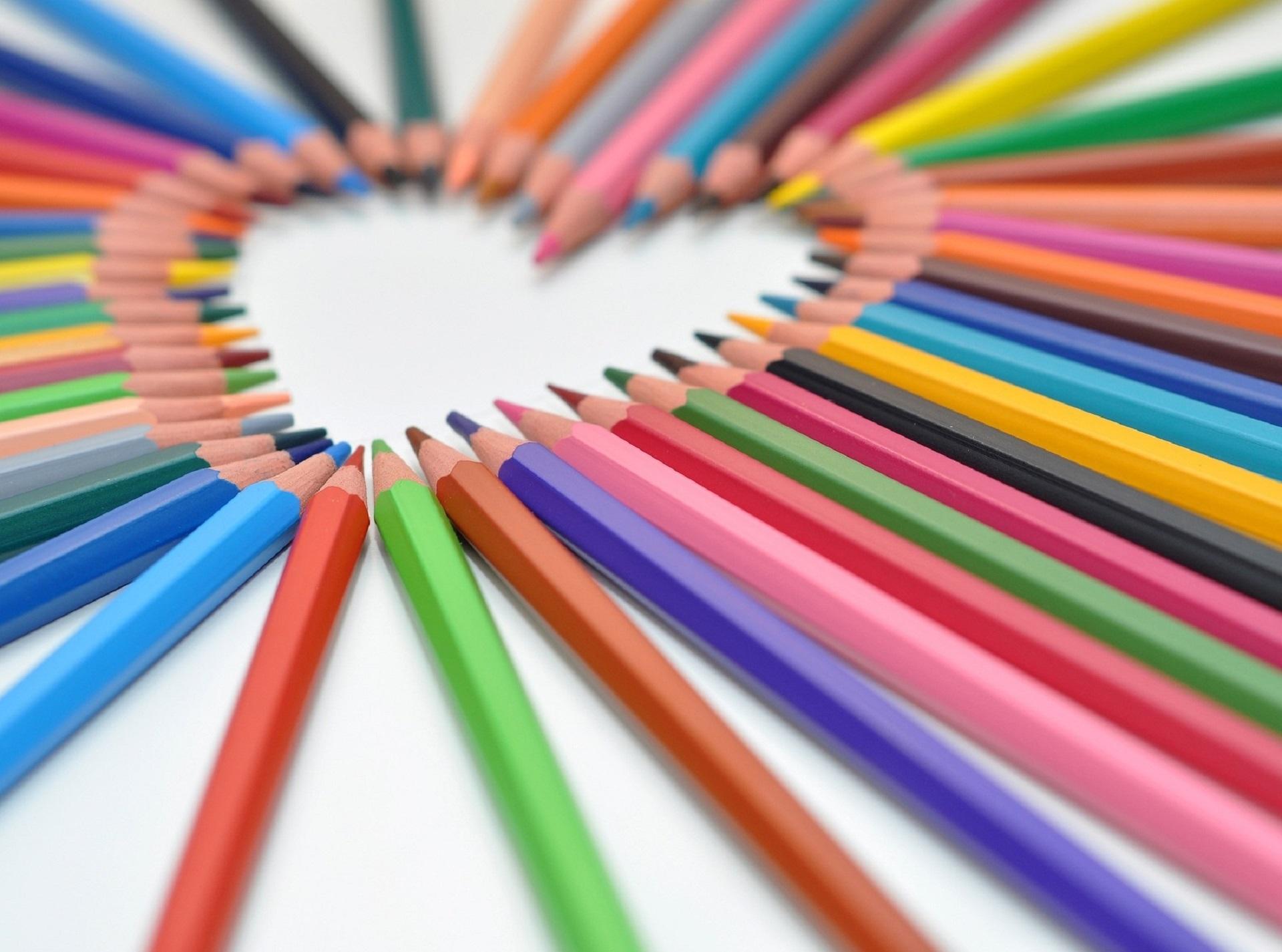 Immagini belle matita struttura amore cuore modello for Foto di ville colorate