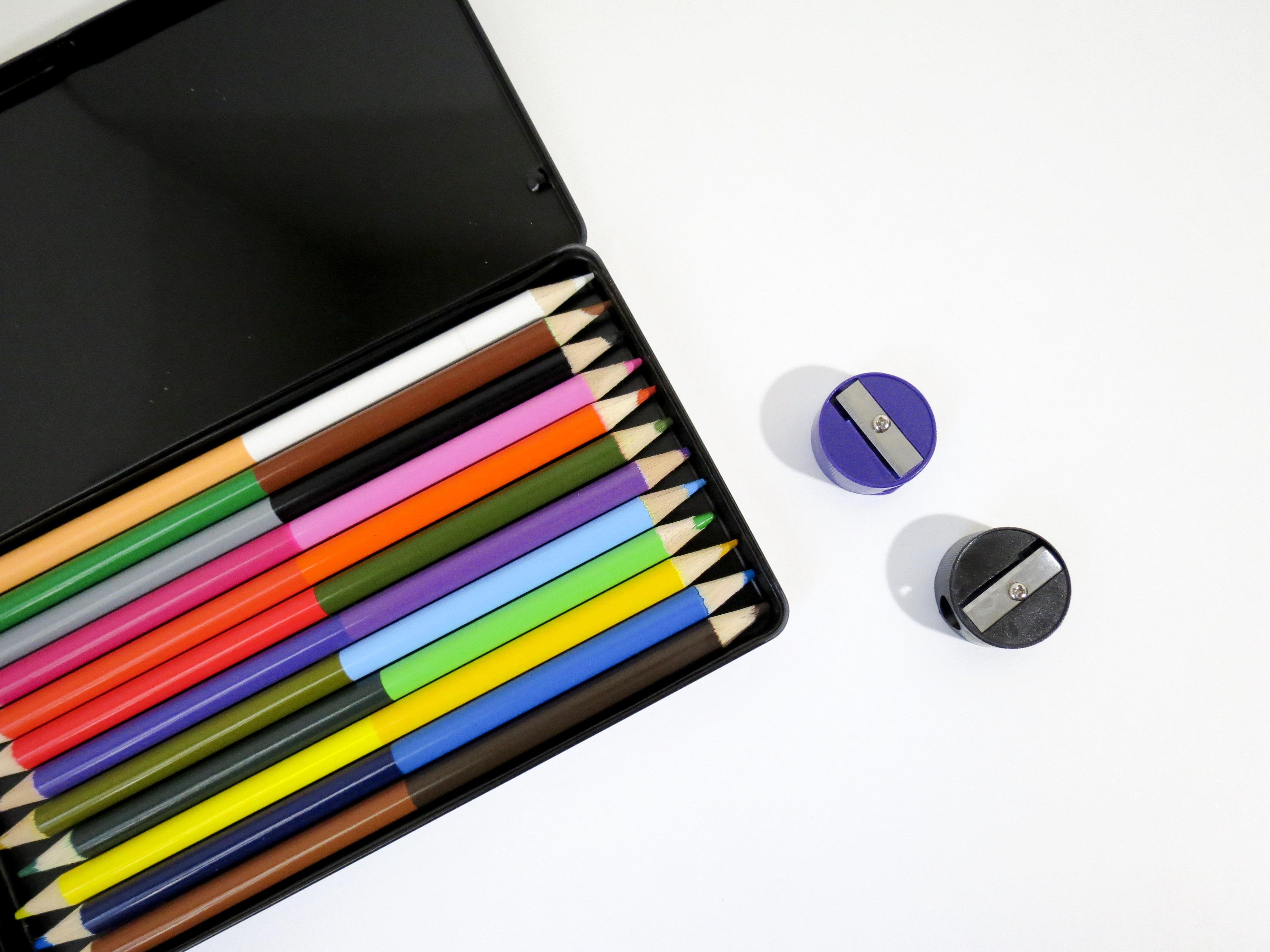 Hình ảnh Bút Chì Trắng Họa Sĩ Cái Hộp đầy Màu Sắc