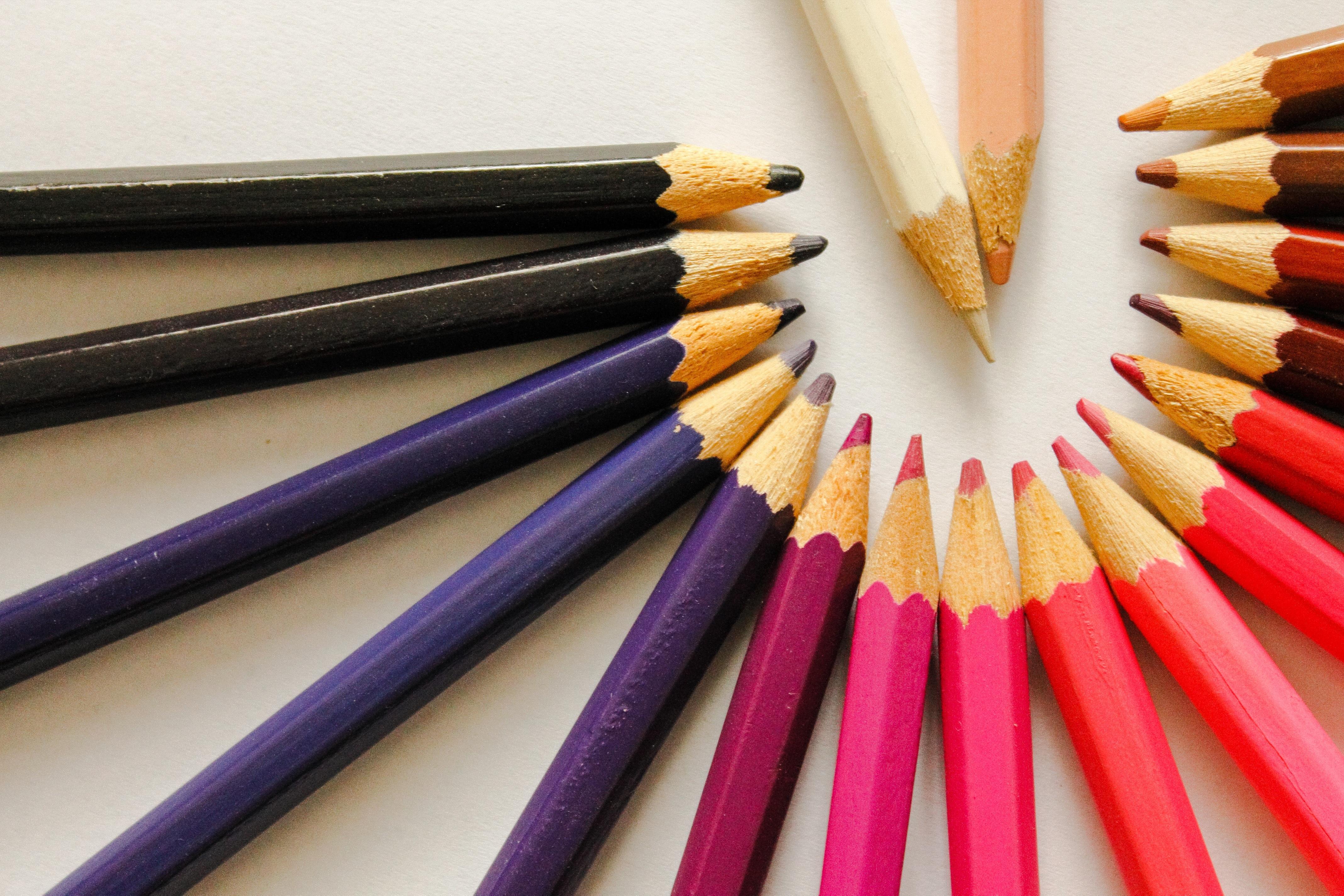 Fotos gratis : lápiz, blanco, rojo, marrón, azul, negro, vistoso ...