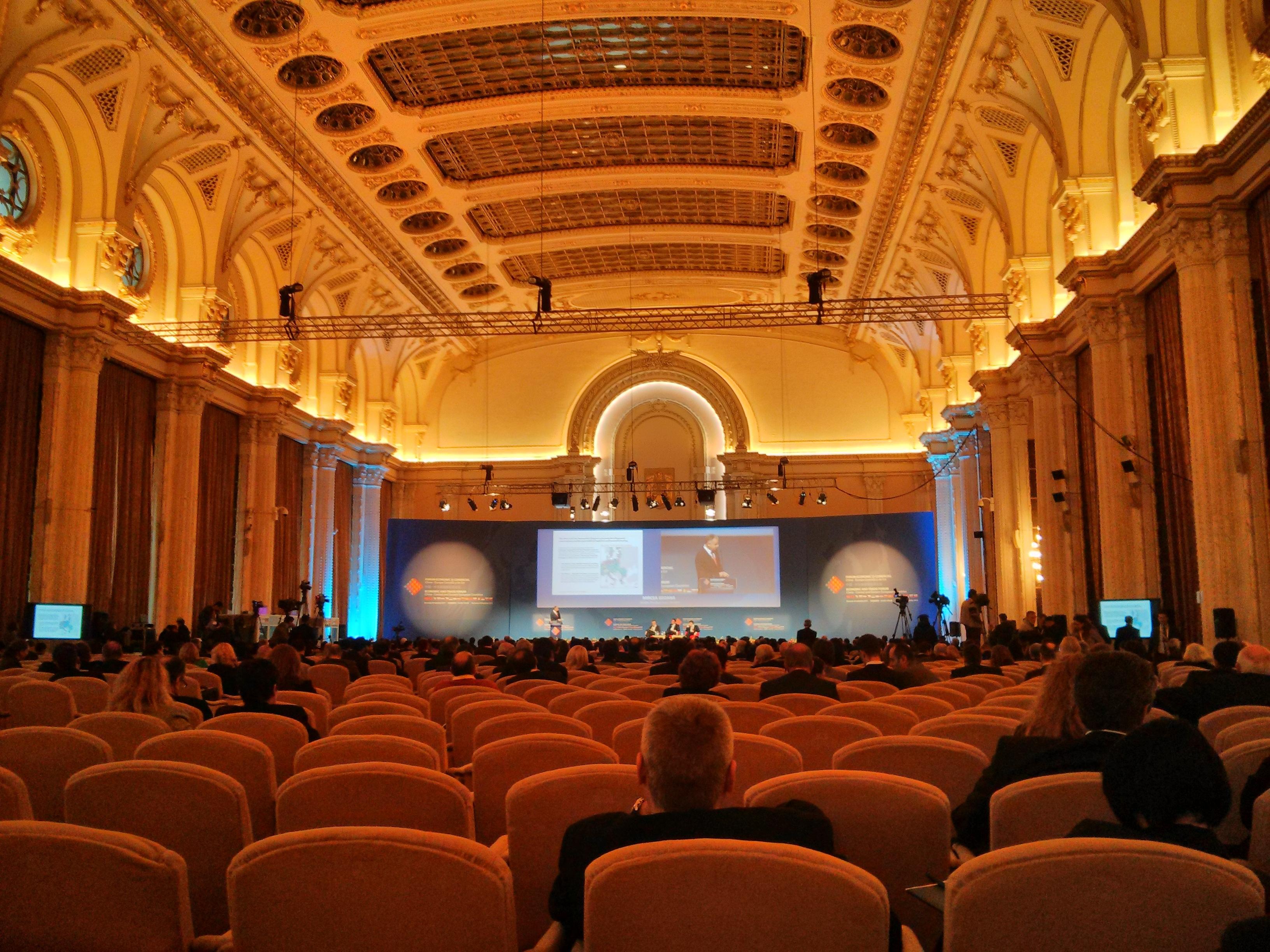 free images   auditorium  audience  corporate  partnership