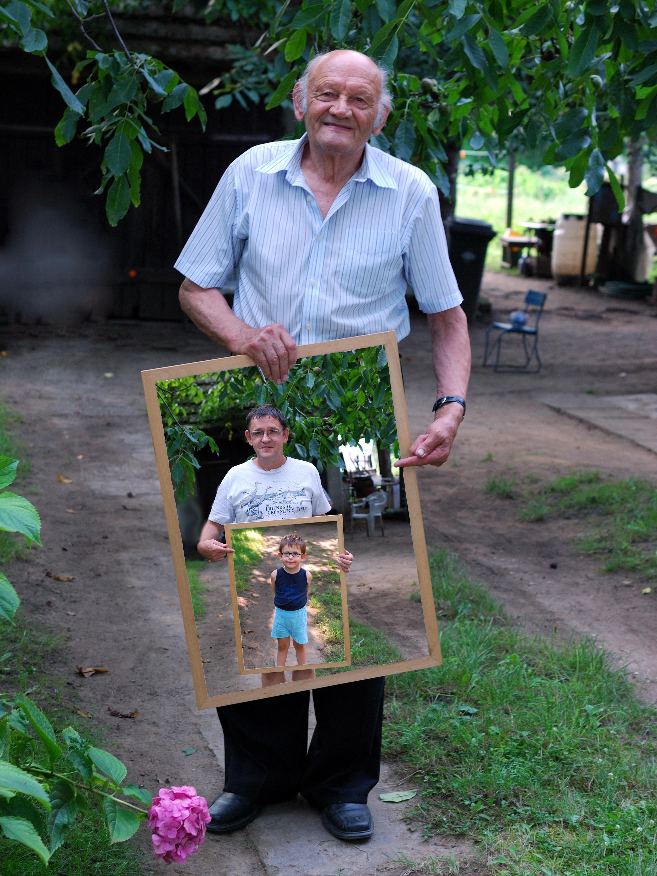 Fotos gratis : gente, chico, primavera, jardín, hombres, contento ...