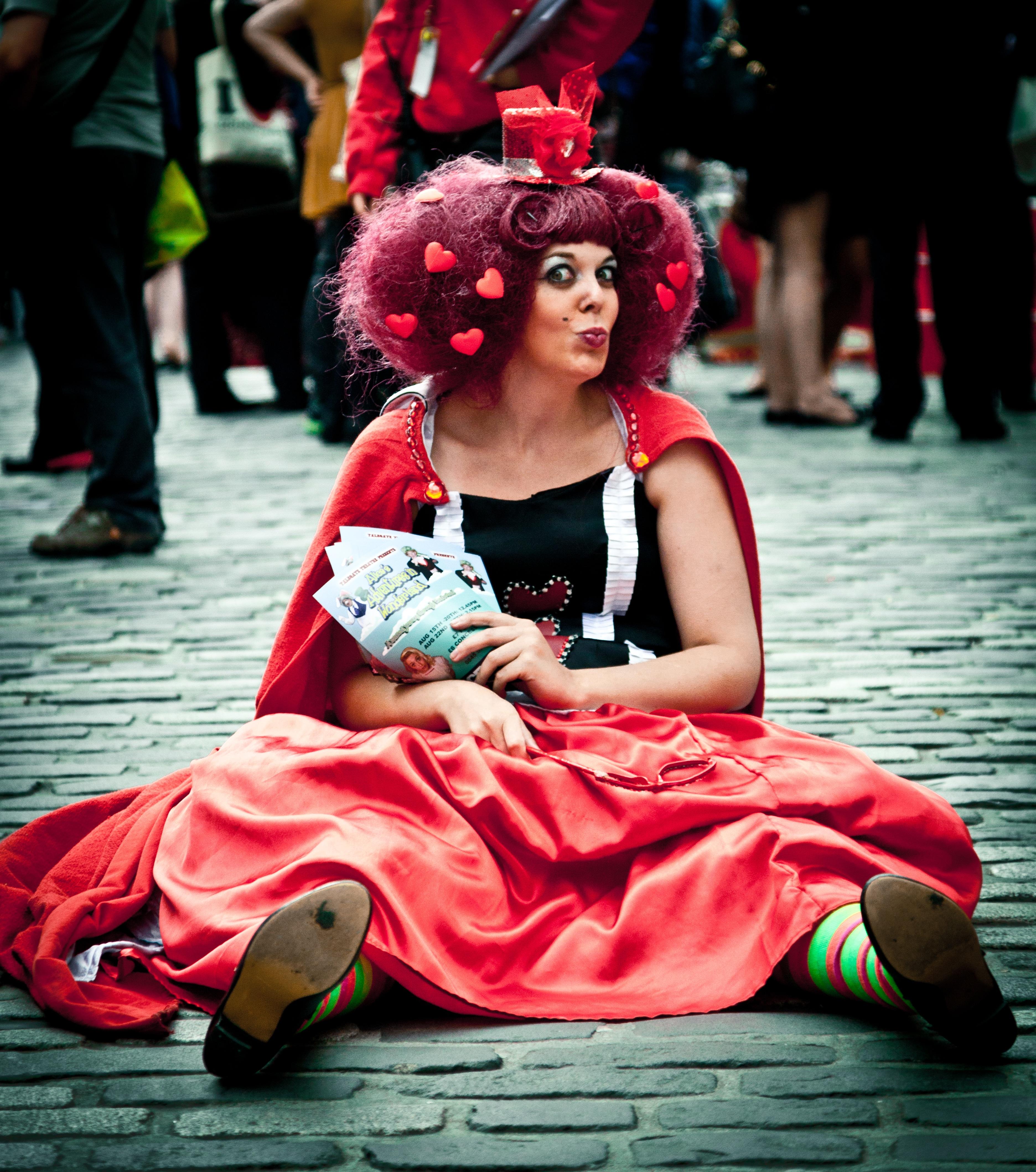 Fotos gratis : gente, hembra, rojo, color, artista, humano, ropa ...