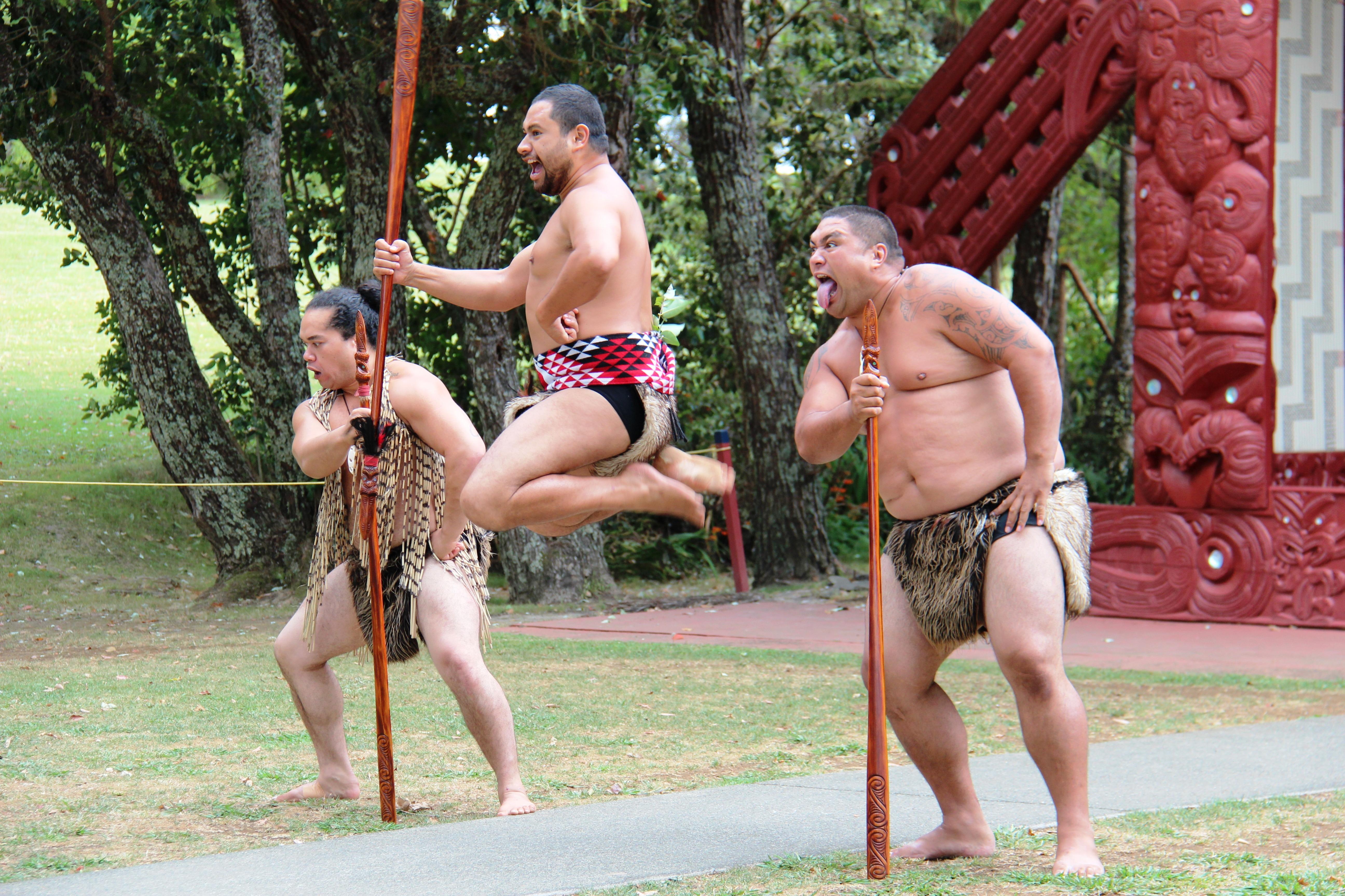 Amazing Maori Krieger Ideas Of Menschen Springen Kleidung Muskel Hop Männer Eeland