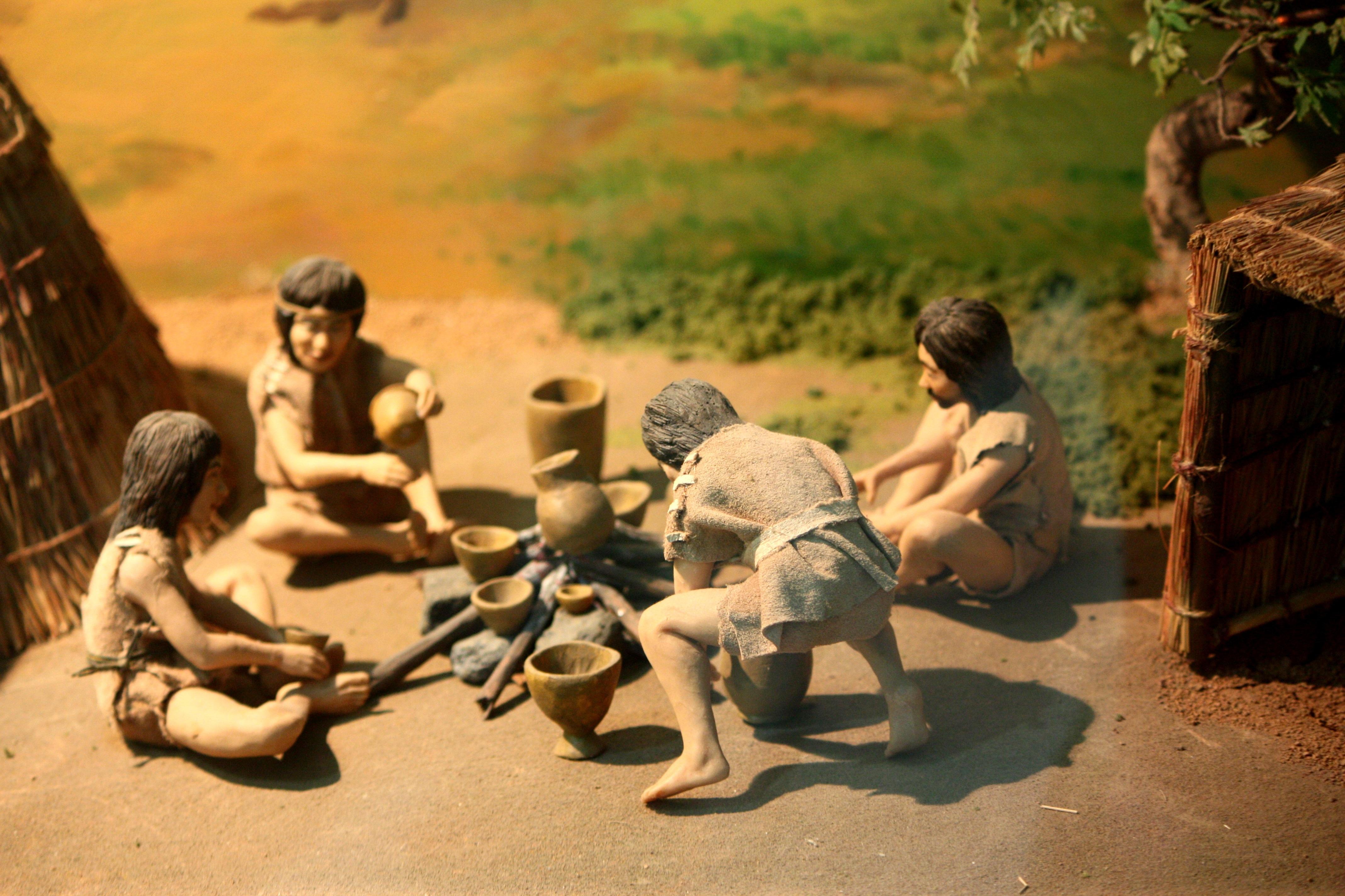 древние времена картинки люди она продолжает строить