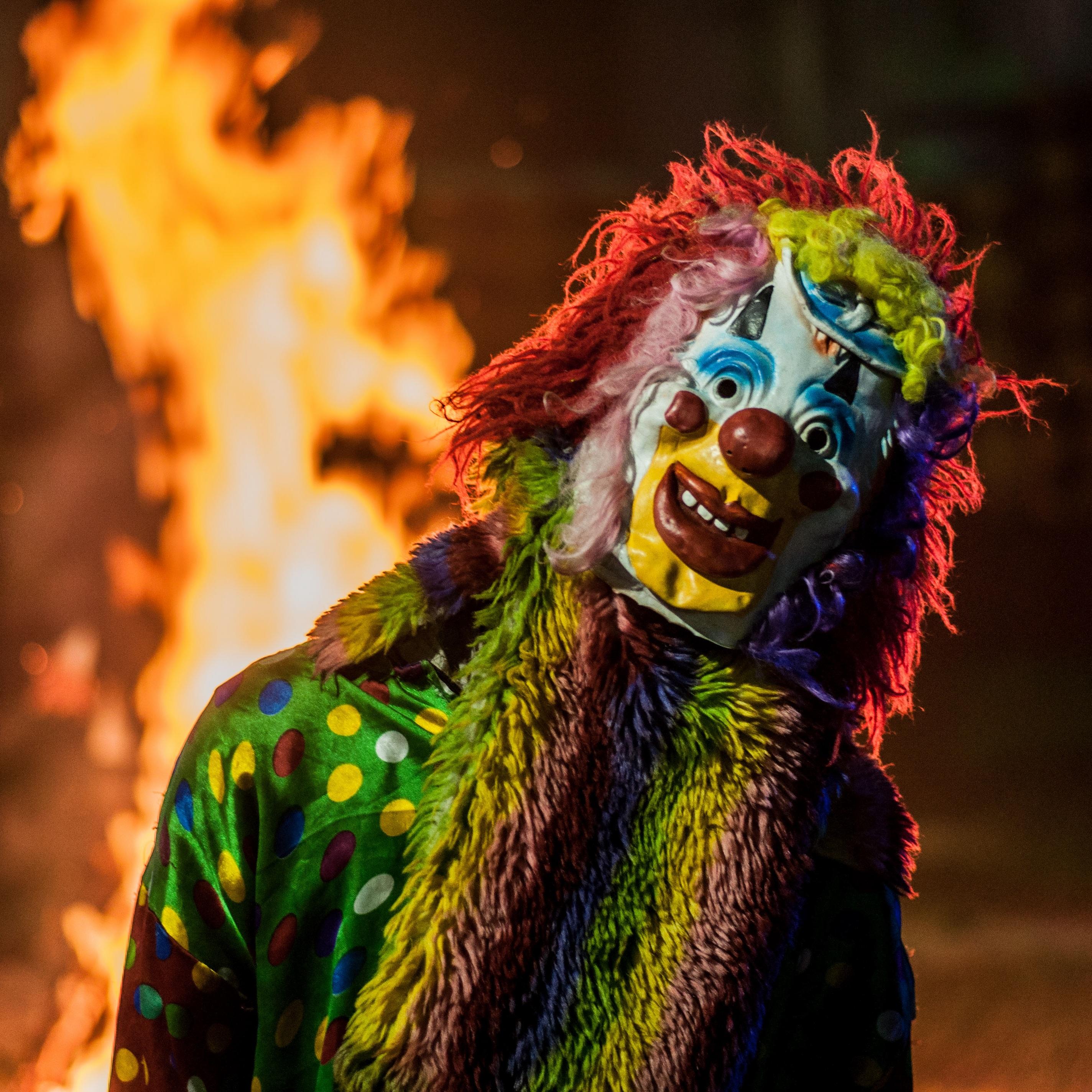 Gambar Orang Orang Perjalanan Karnaval Warna Api Warna Warni