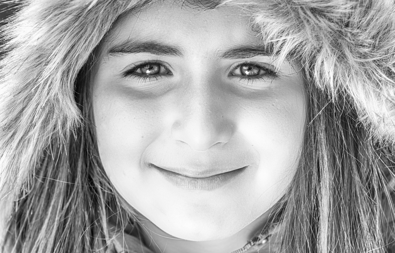 Gambar Orang Hitam Dan Putih Gadis Model Satu Warna Raut