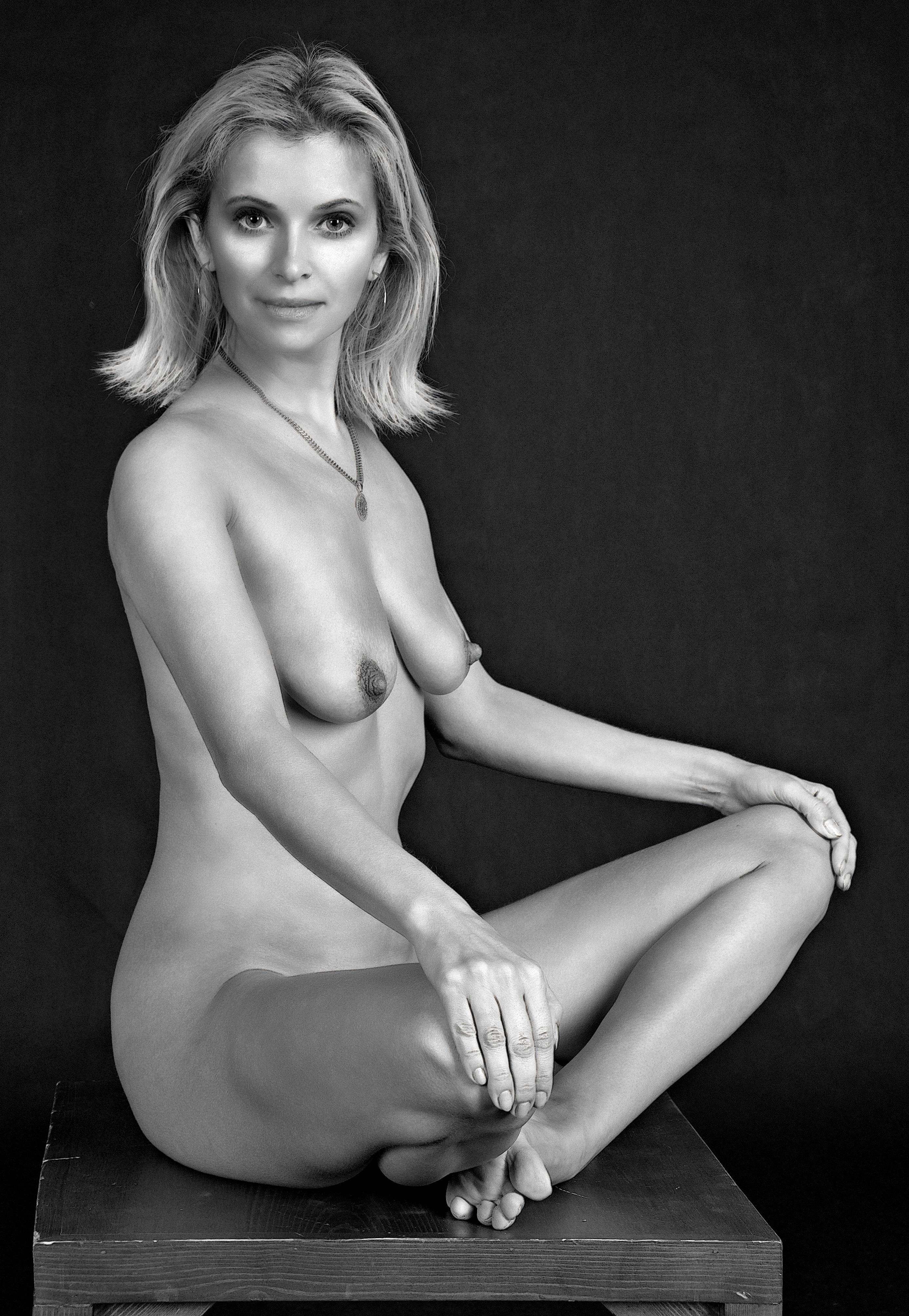 Dig tits blonde mature