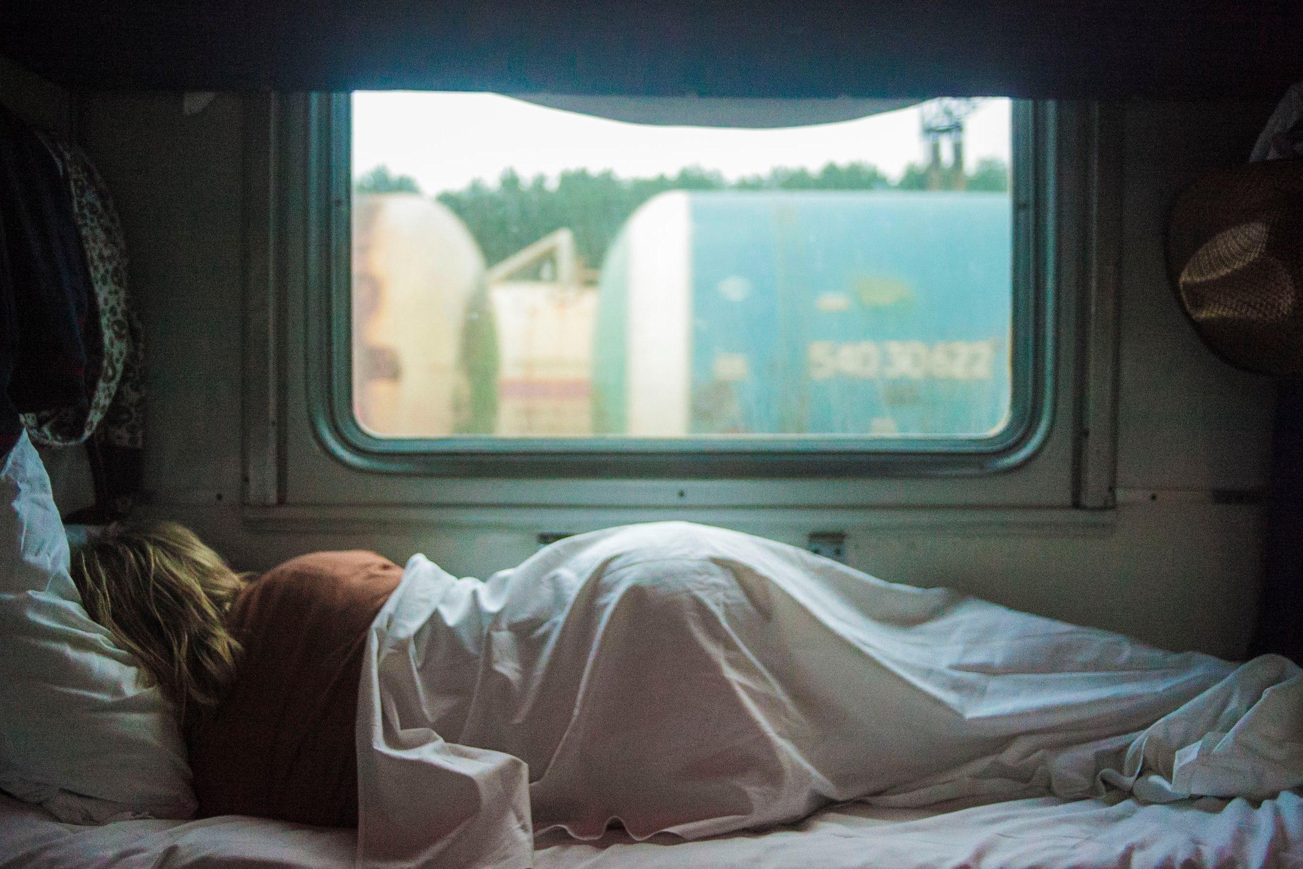 авиалайнер, фото фото спящих в купе повод