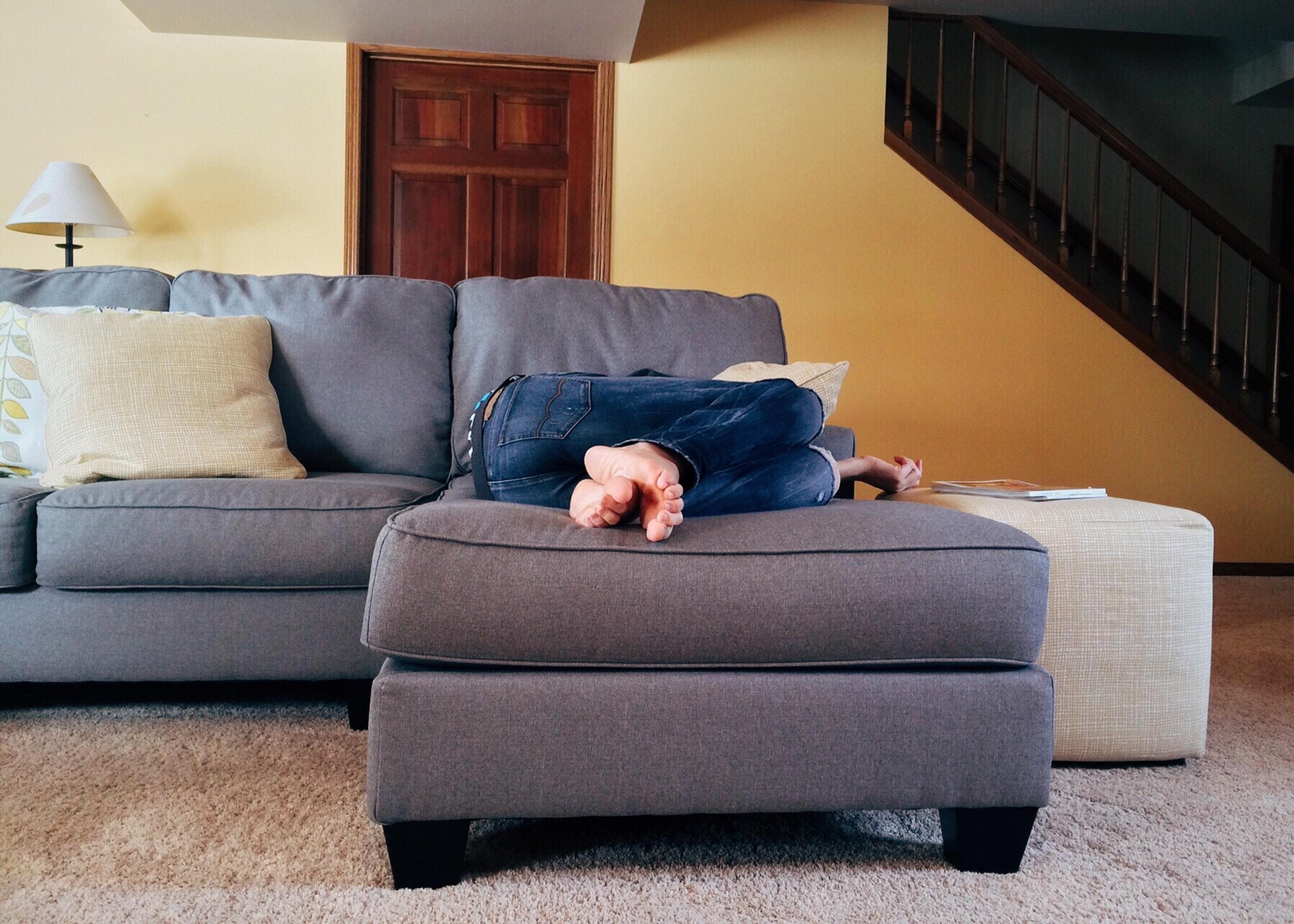 Fotos gratis : persona, piso, casa, sala, mueble, habitación, estilo ...