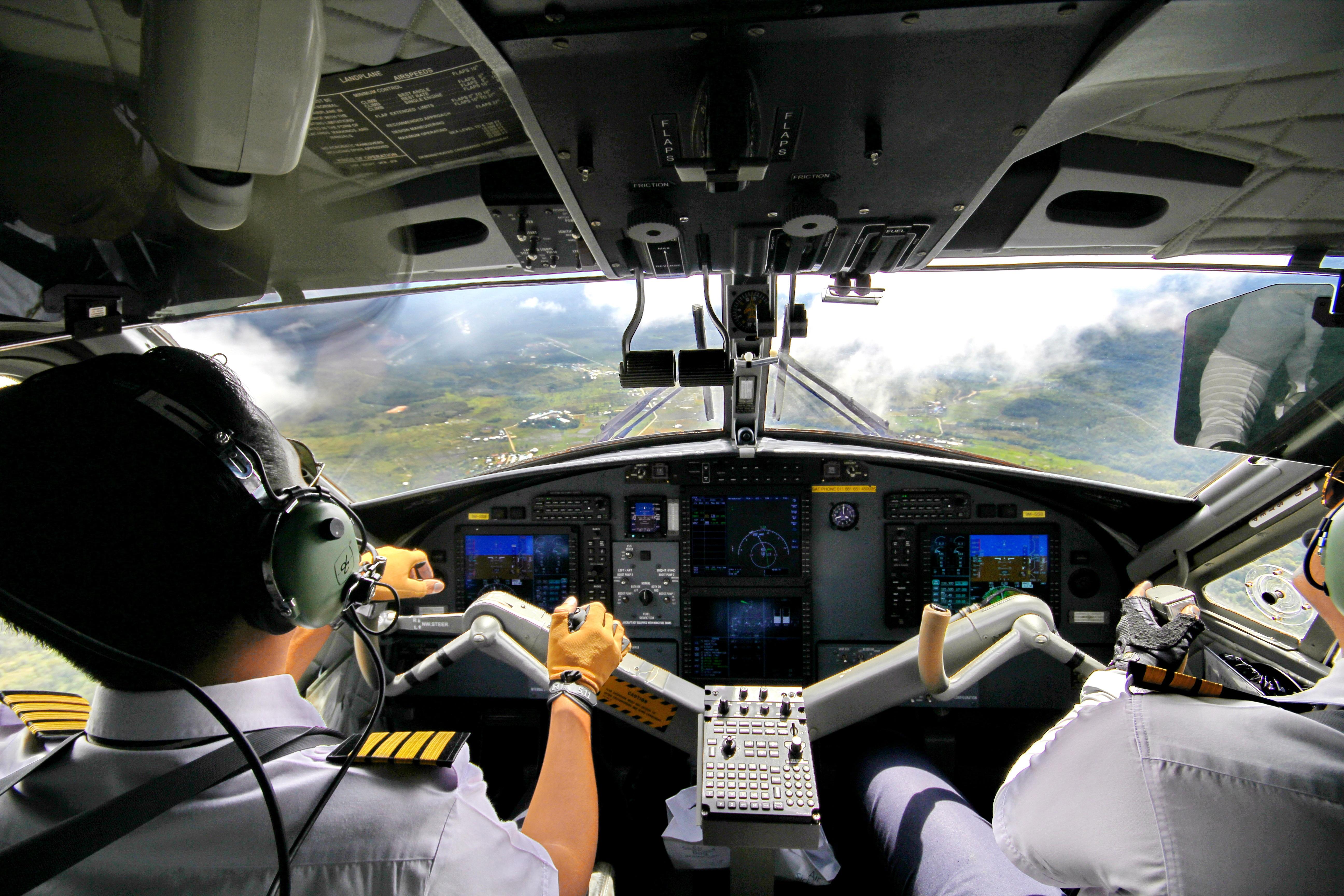 Gambar Orang Pesawat Terbang Kendaraan Perusahaan Penerbangan