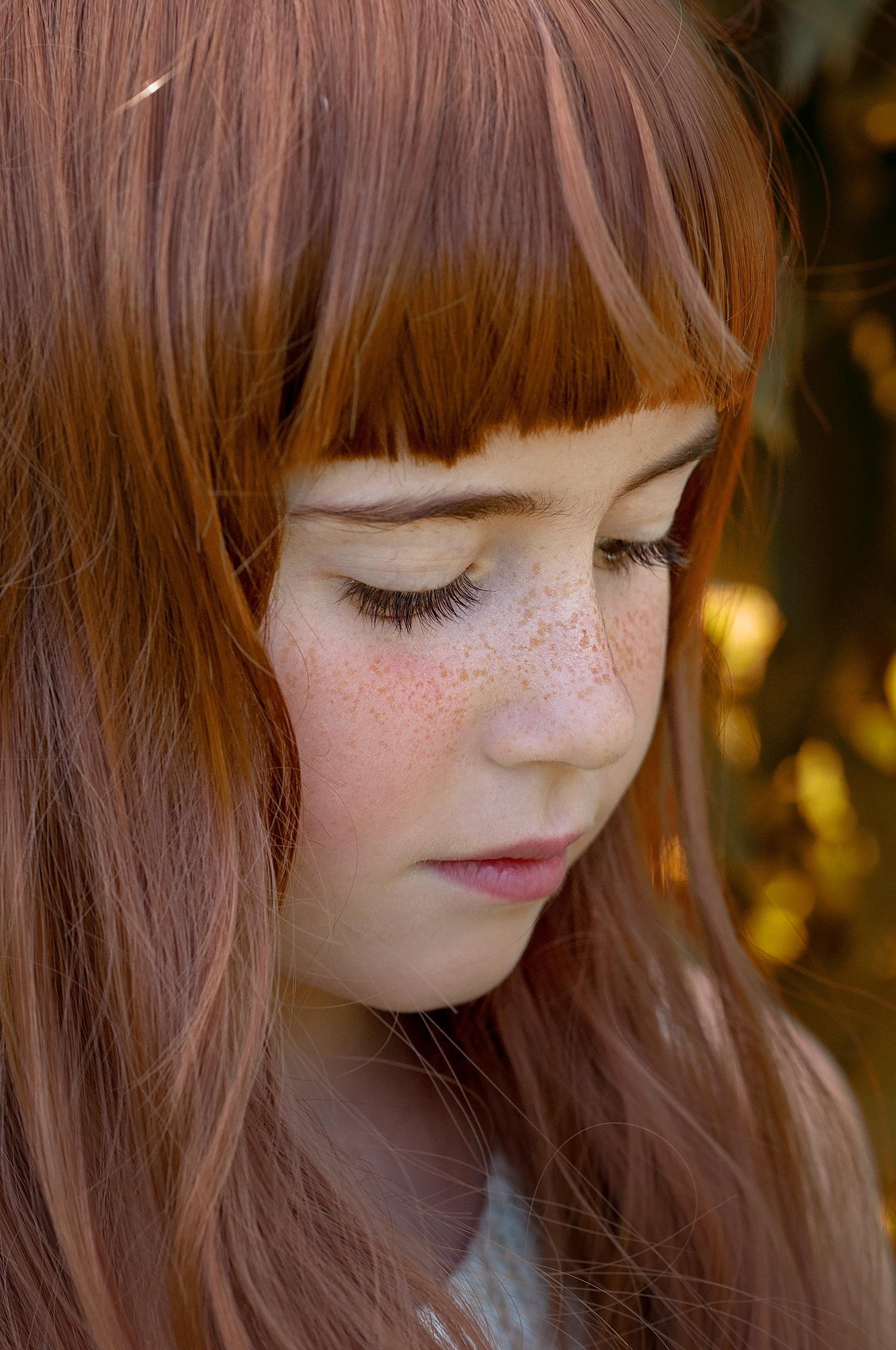 intohimoinen nainen punaiset hiukset