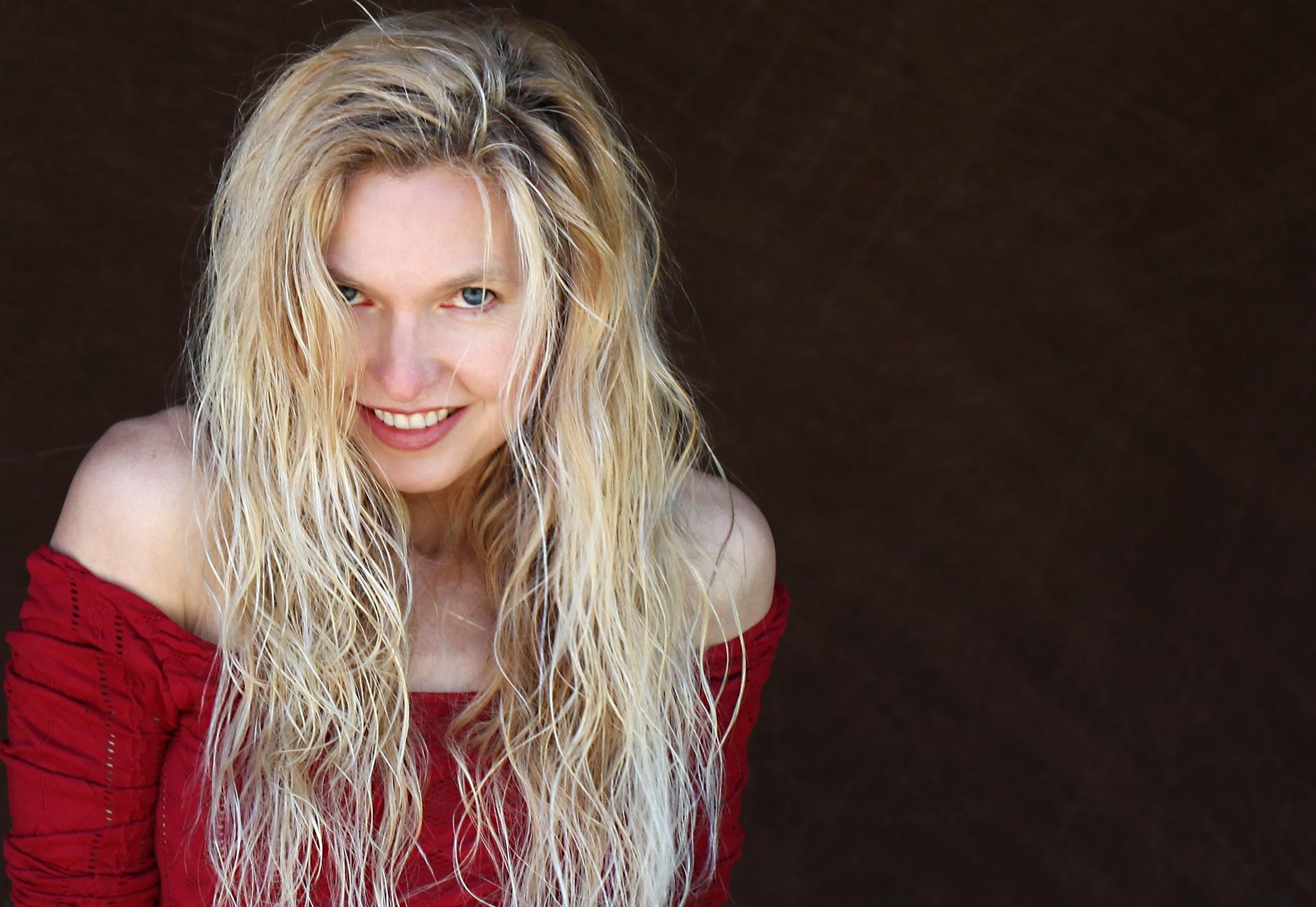 Lange blonde haare attraktiv