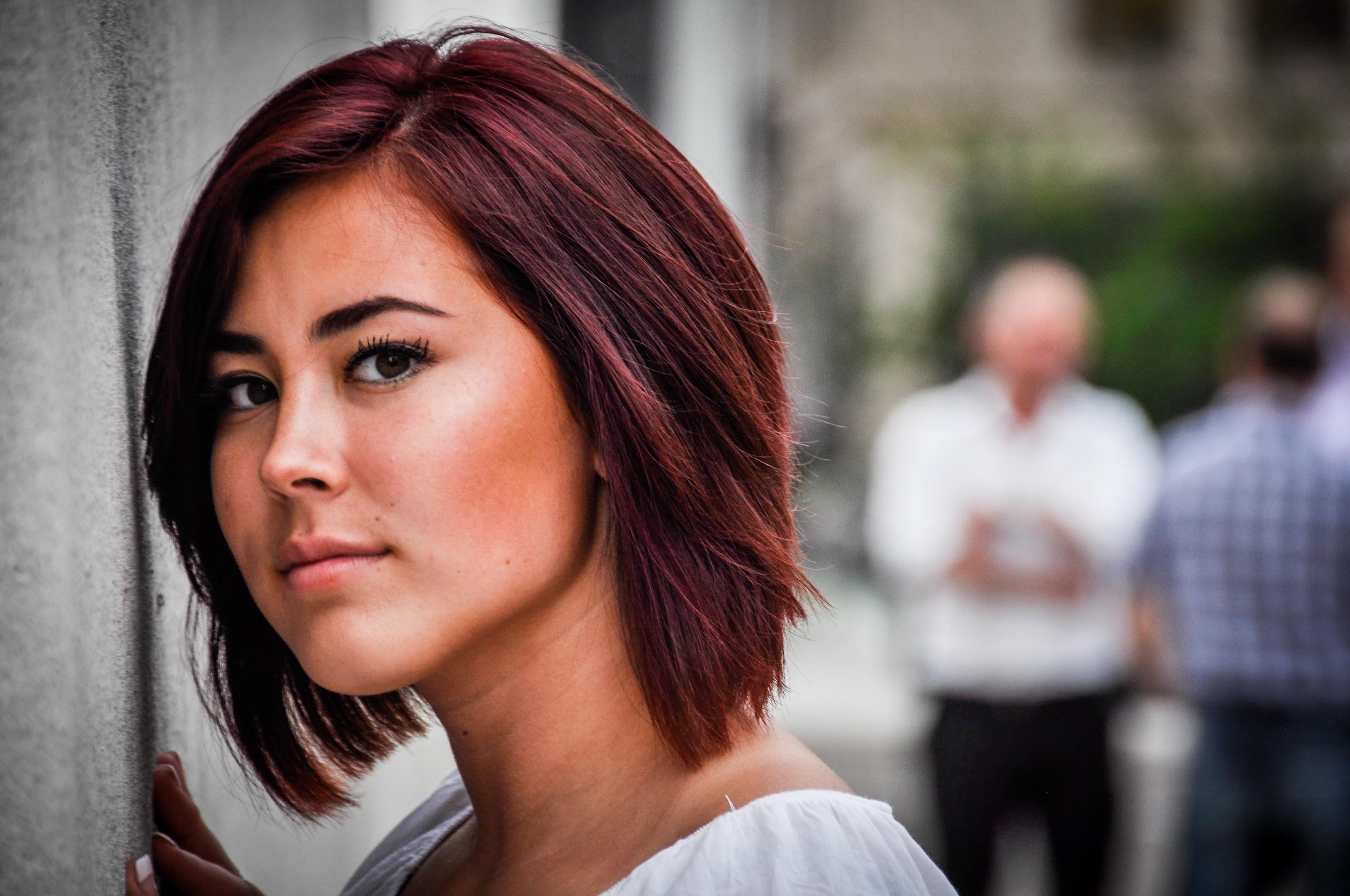 Fotoğraf Kişi Portre Model Kırmızı Renk Moda Bayan Saç