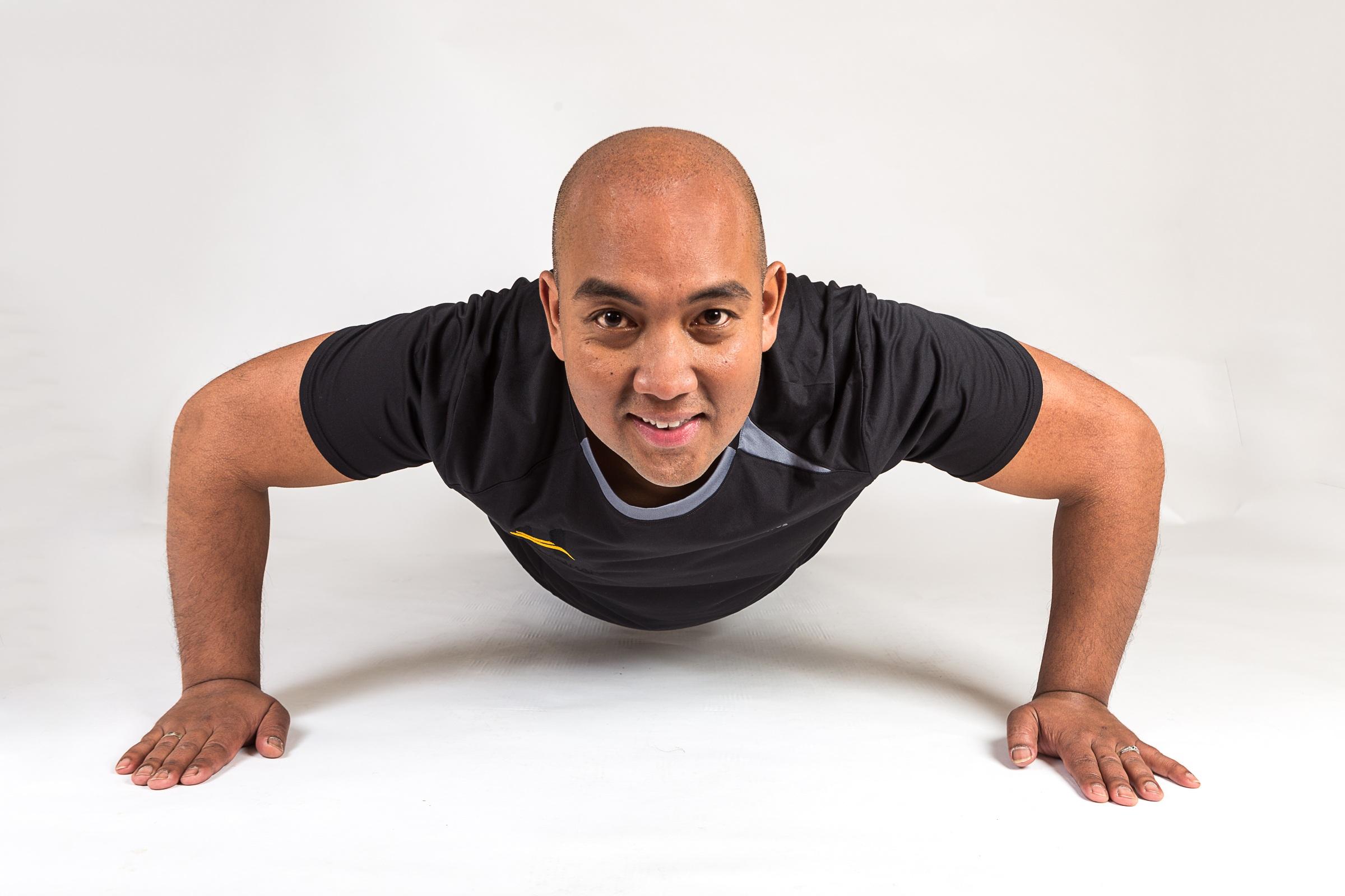 Kostenlose foto : Person, Bein, Arm, Trainer, Muskel, Brust ...