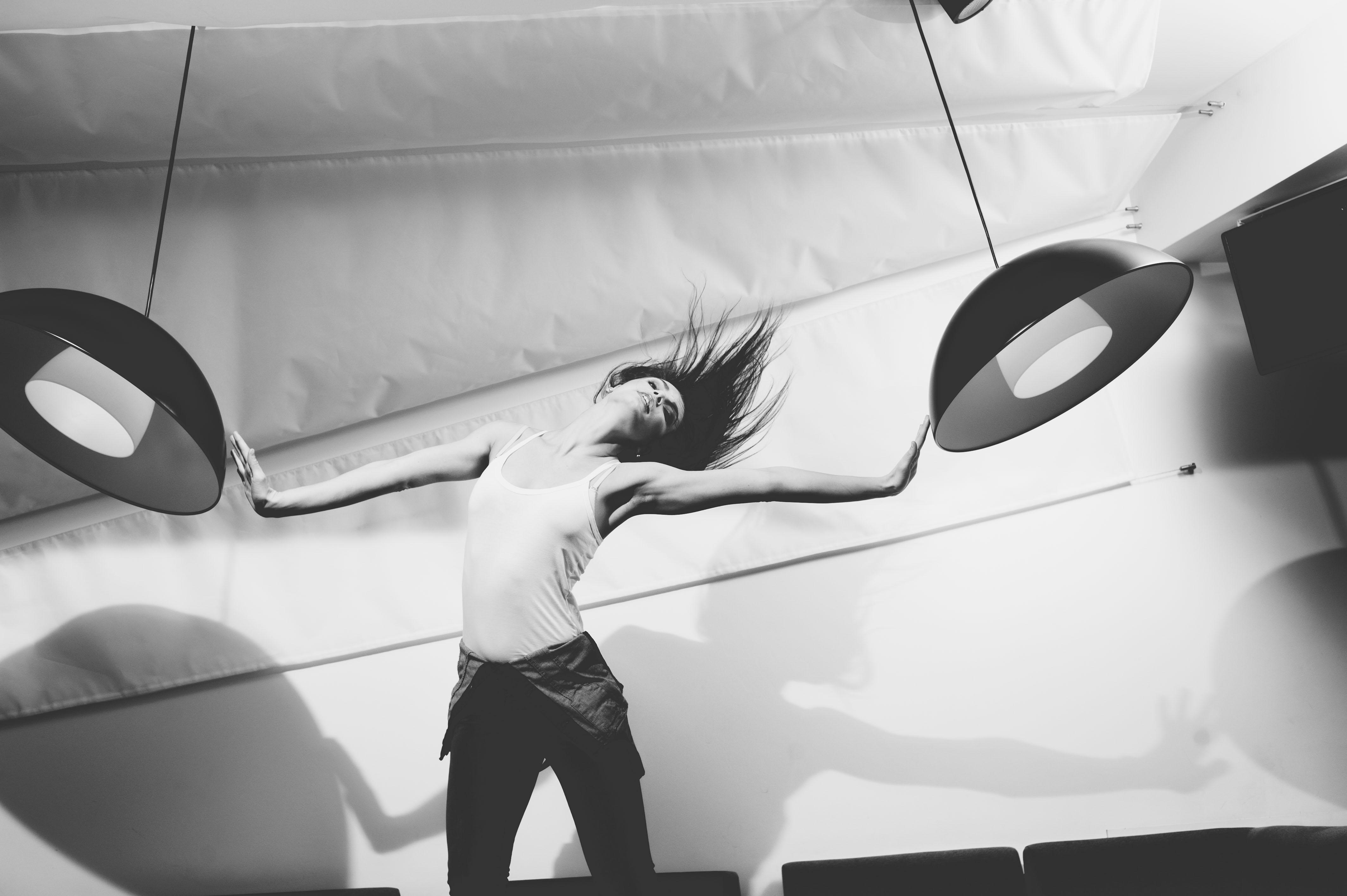 Gambar Orang Cahaya Hitam Dan Putih Gadis Wanita Mobil