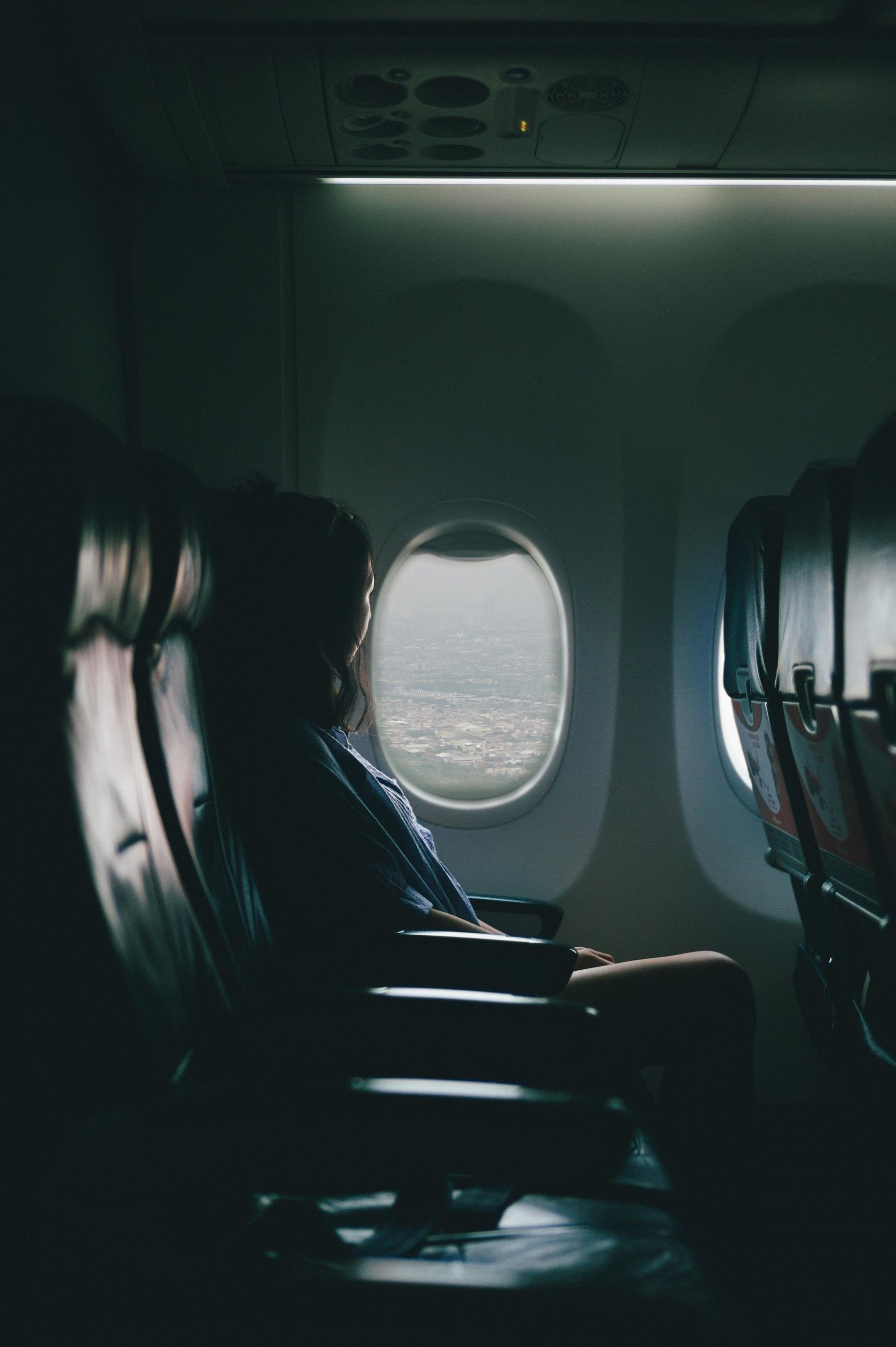 Gambar Orang Cahaya Wanita Pesawat Terbang Kegelapan Hitam