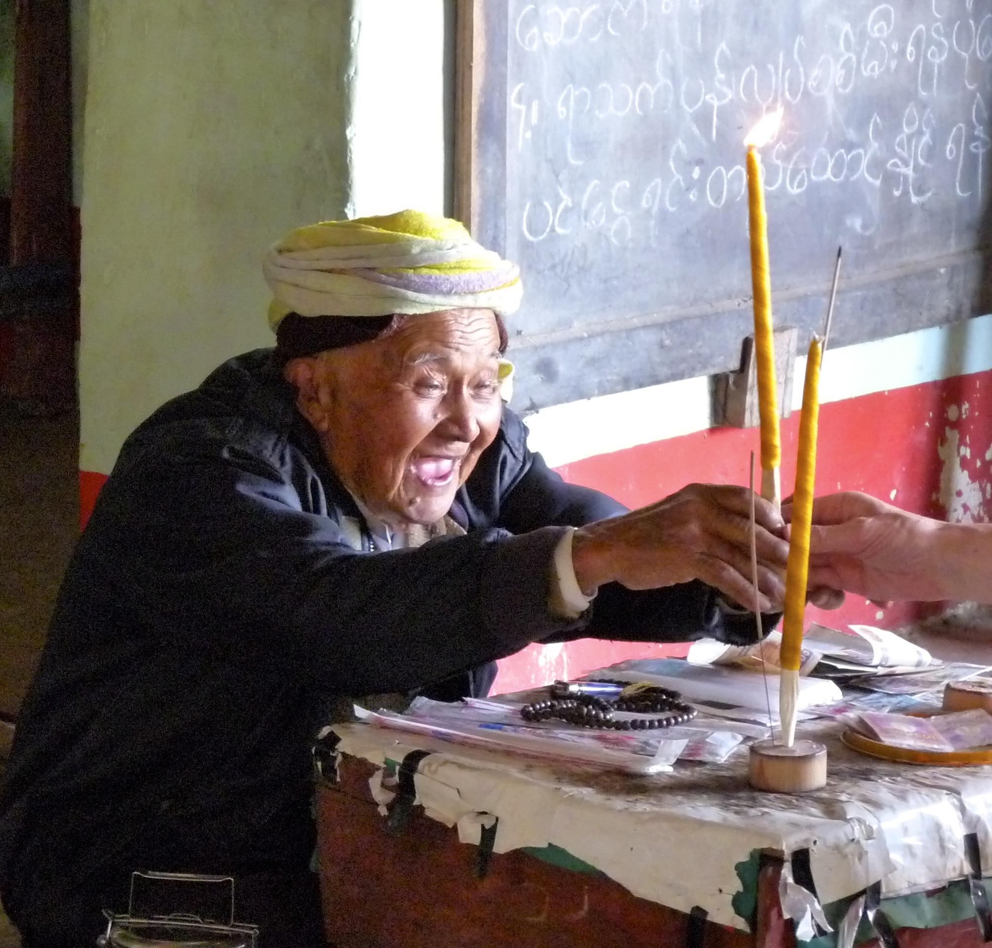 Fotoğraf Kişi Erkek Asya Budizm Yaşlı Adam Boyama Sanat