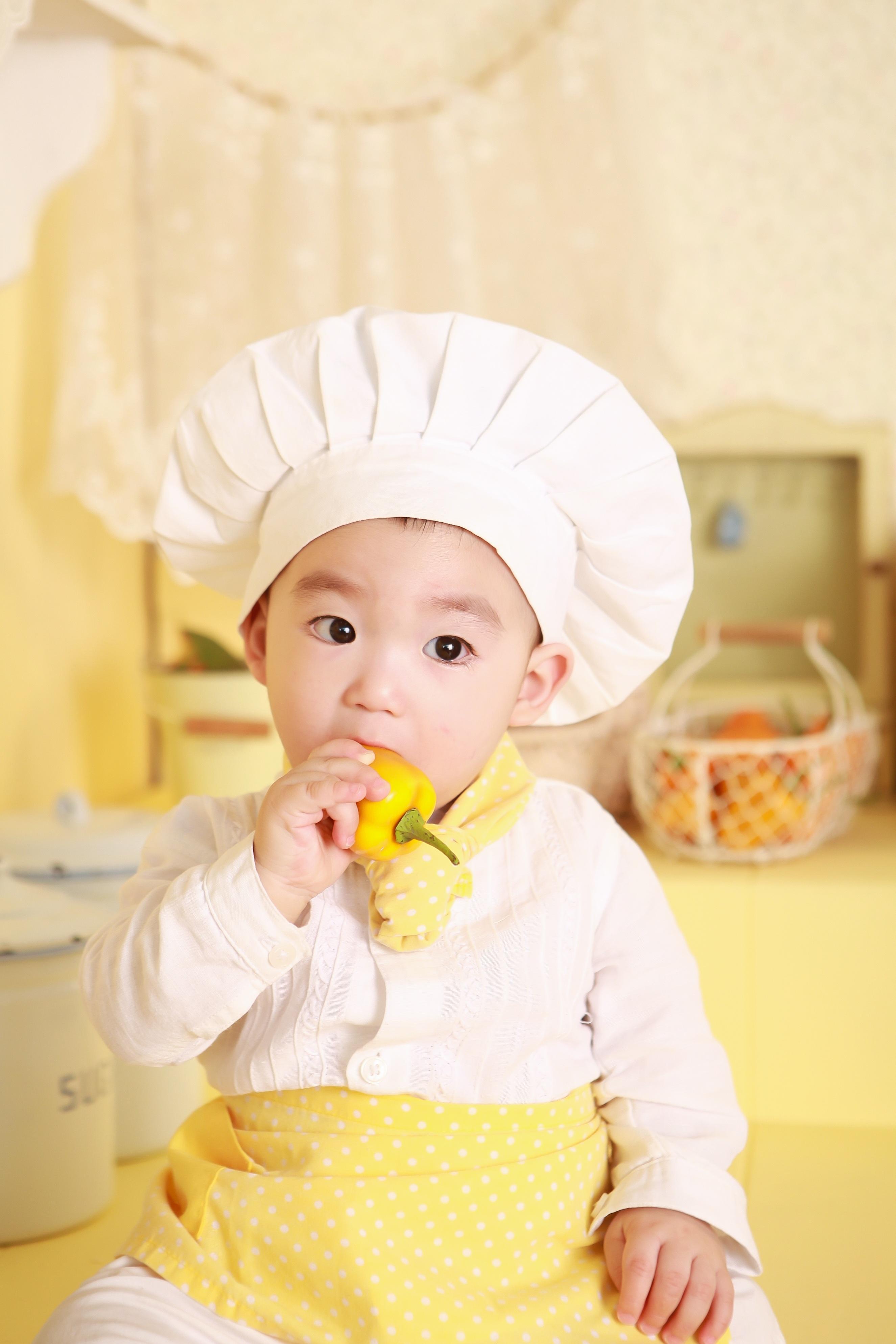 ... Kochen, Klein, Küche, Hut, Gelb, Gesund, Baby, Kindheit, Koch, Produkt,  Essen, Kleid, Säugling, Kleinkind, Abendessen, Bäcker, Wenig, Haut,  Entzückend, ...