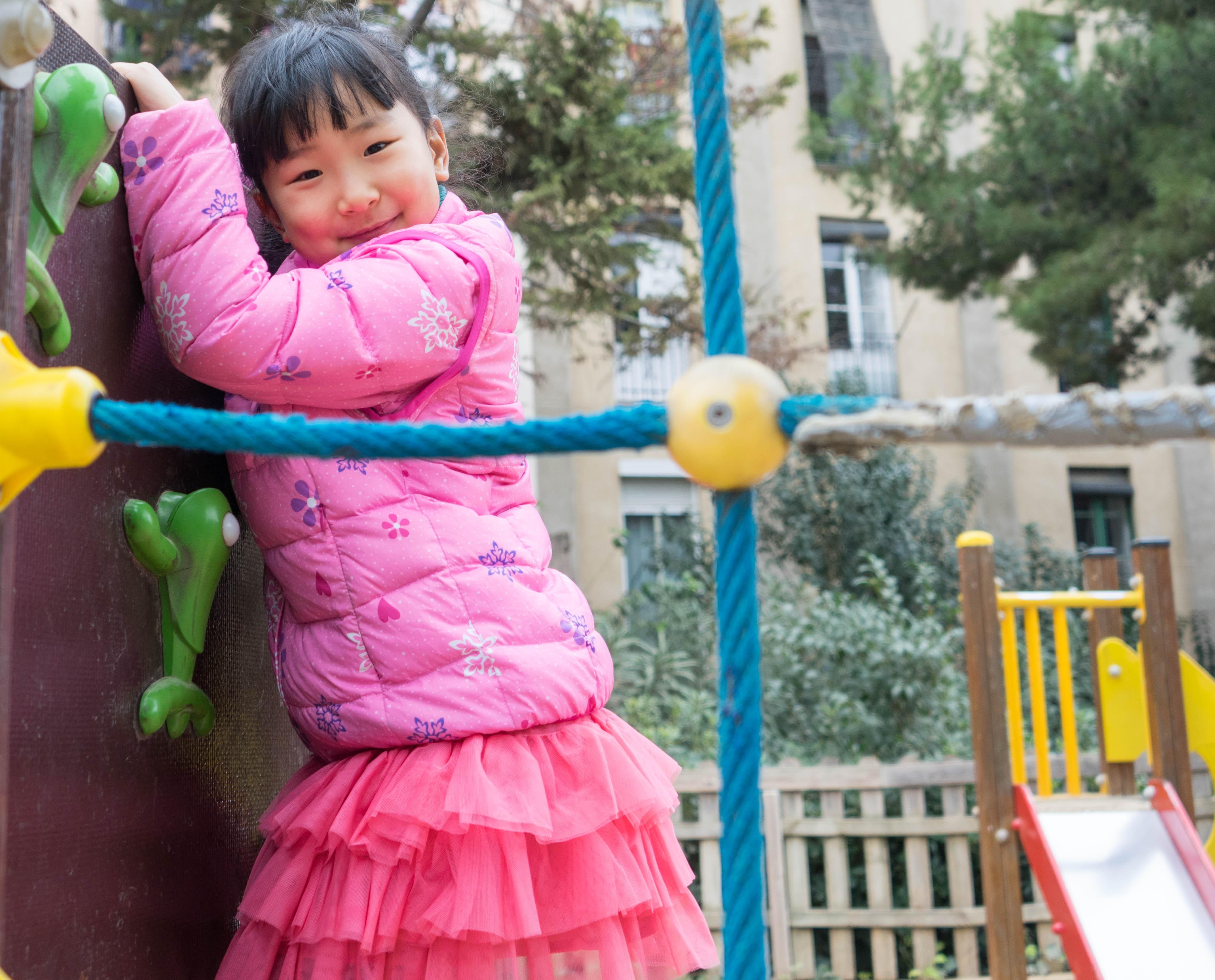 Fotos gratis : persona, gente, niña, jugar, niño, hembra, joven ...