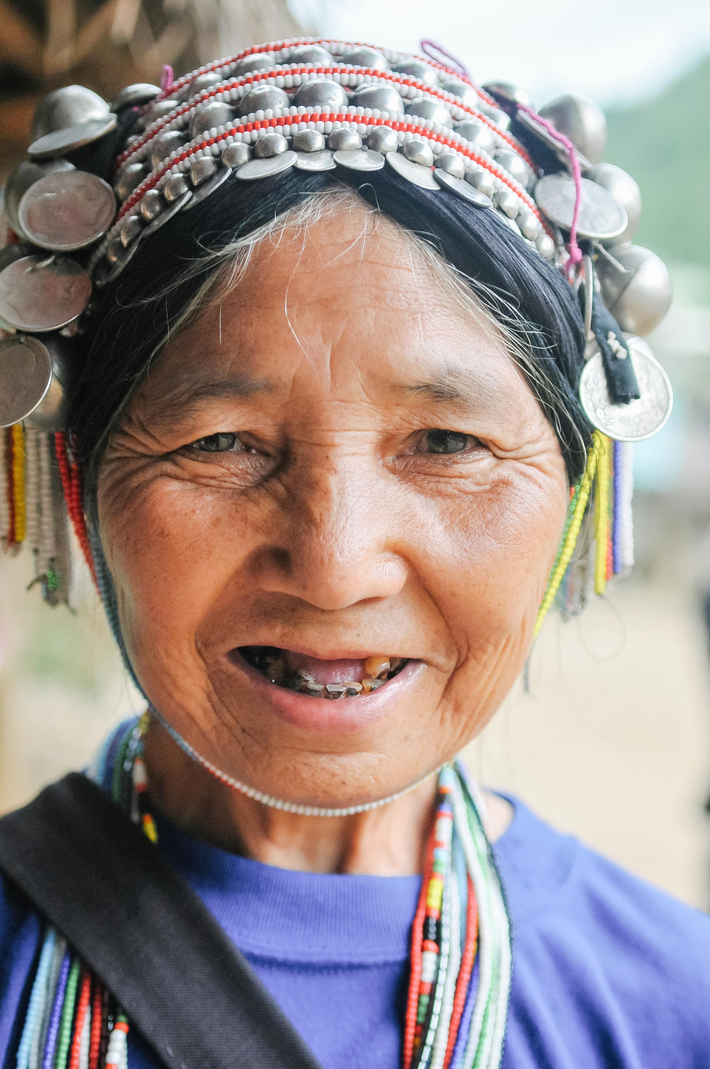 32302f30 Bildet : person, mennesker, kvinne, gammel, ser, mann, hunn, portrett,  farge, barn, klær, dame, ansiktsuttrykk, frisyre, smiling, smil, bestemor,  stamme, ...