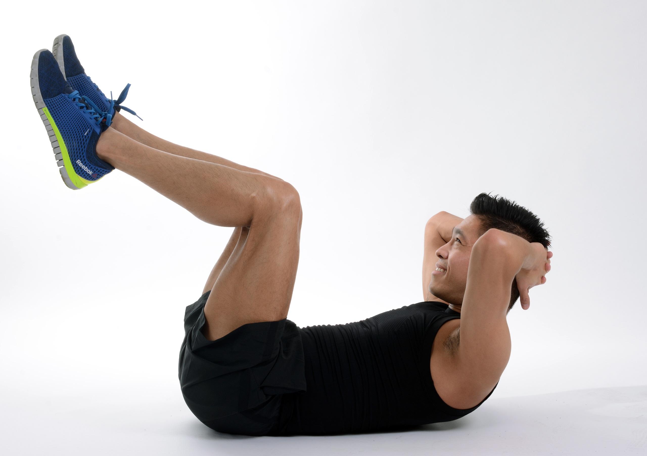 Kostenlose foto : Person, Kofferraum, Bein, Sitzung, Übung, Arm ...