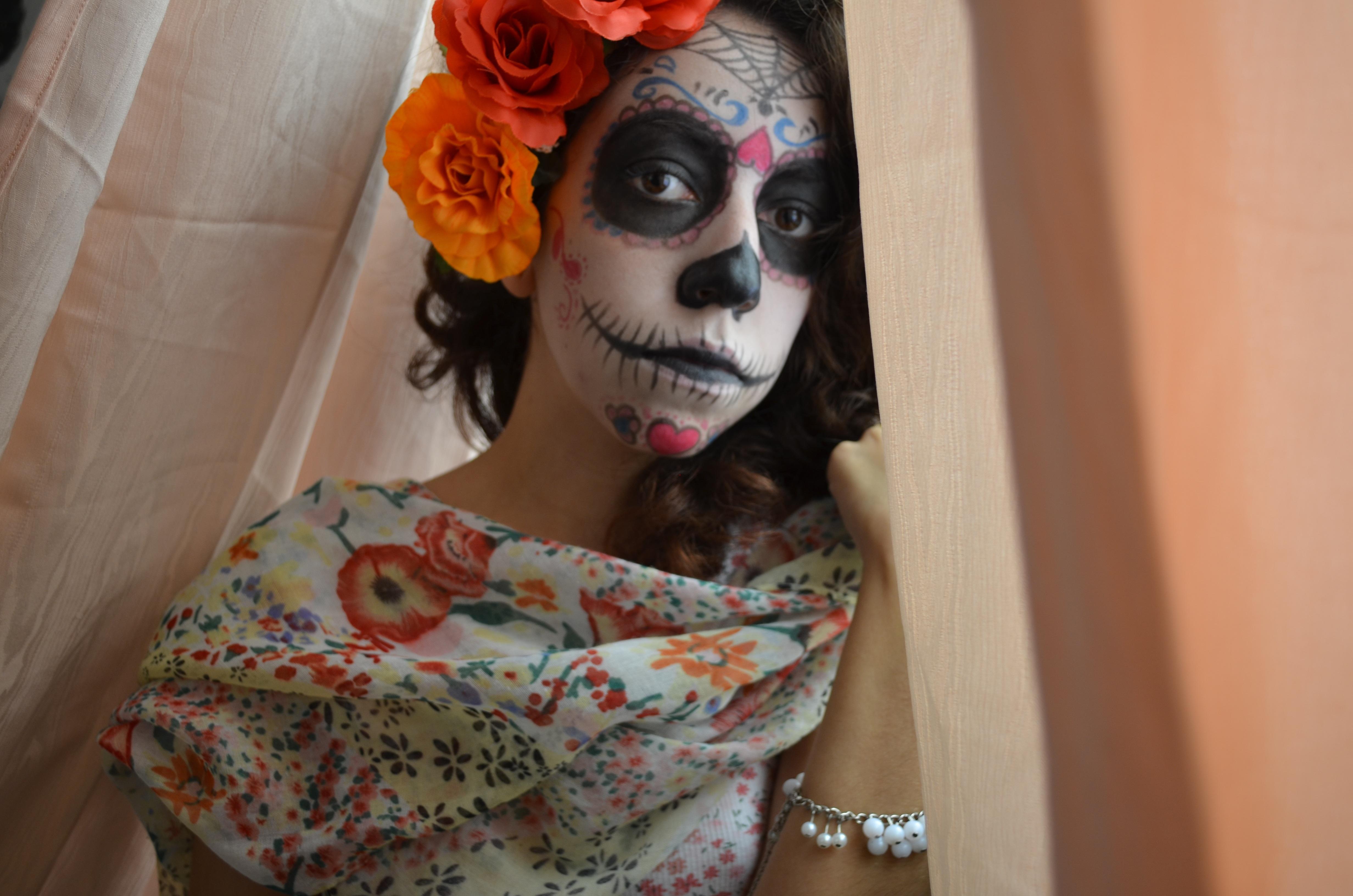 Fotos gratis : persona, mujer, ropa, muerte, pintura, maquillaje, payaso, cara, art, artesanía ...