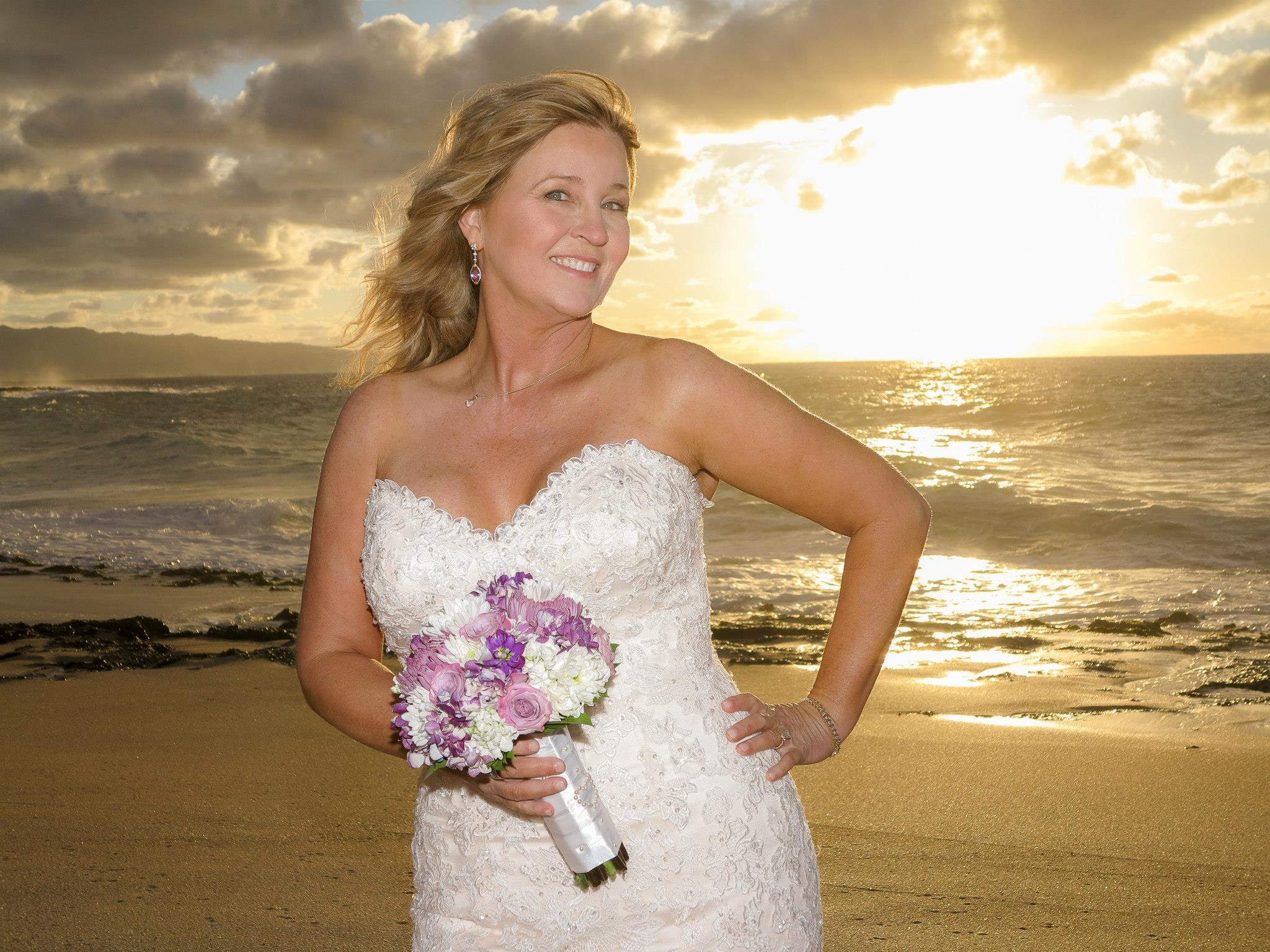 37c3b25ab1ce person kvinde fotografering model romantik tøj hawaii bryllup bryllupskjole  brud ceremoni kjole fotografi skønhed pakker kjole