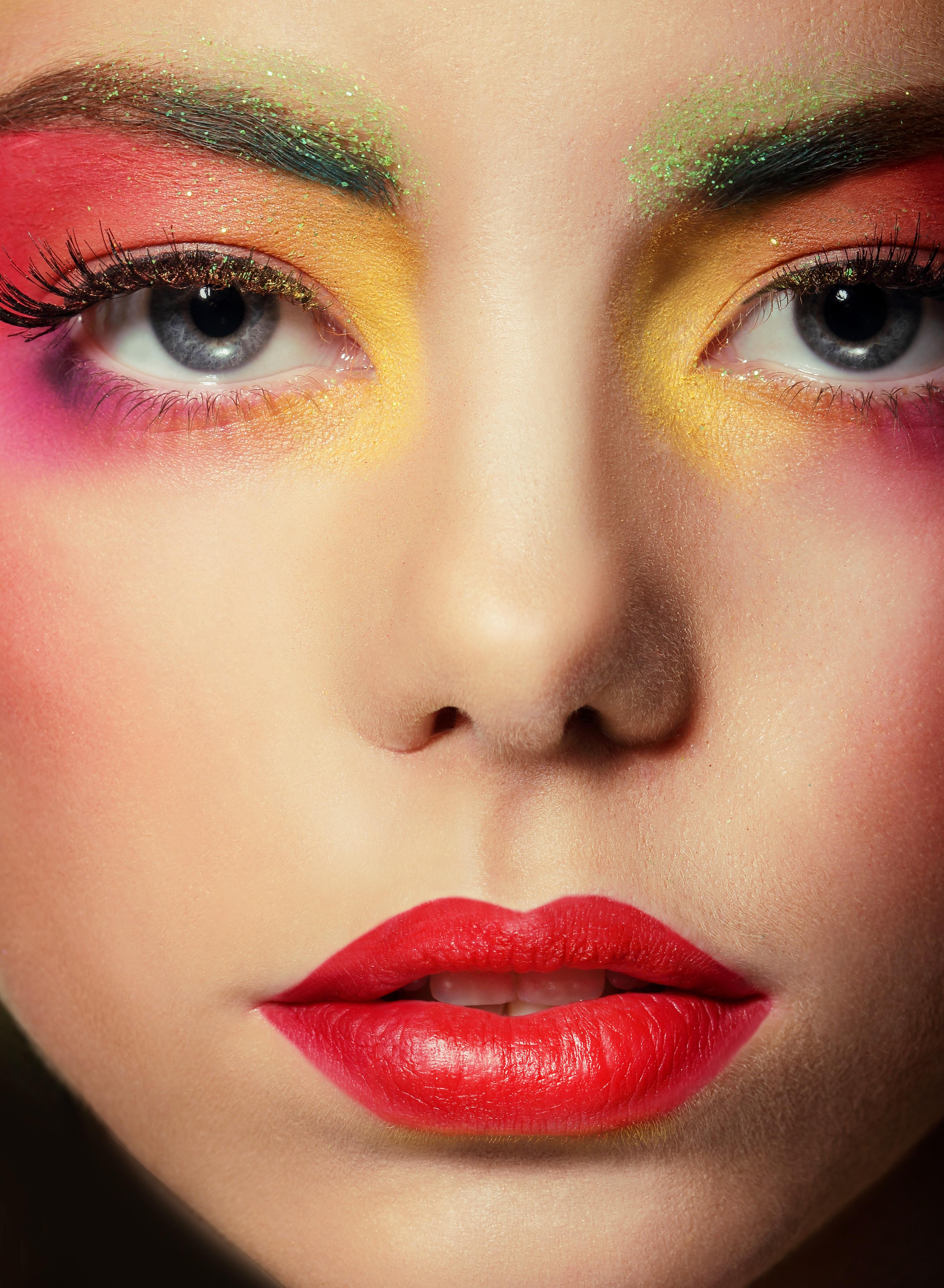 Poze Persoană Femeie Roșu Culoare Umbră Colorat A închide
